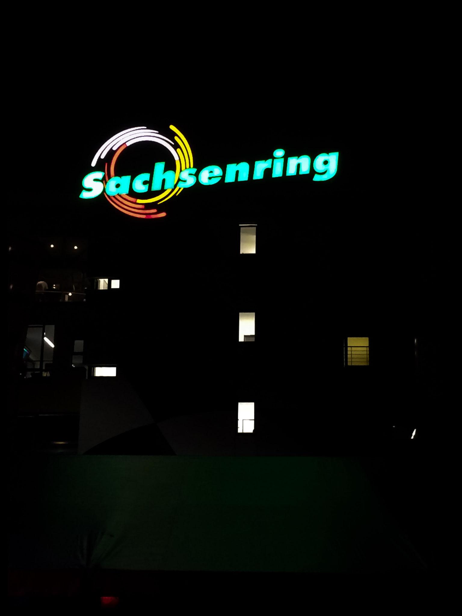 Sachsenring bei Nacht – der Ankerberg ruft.;-)