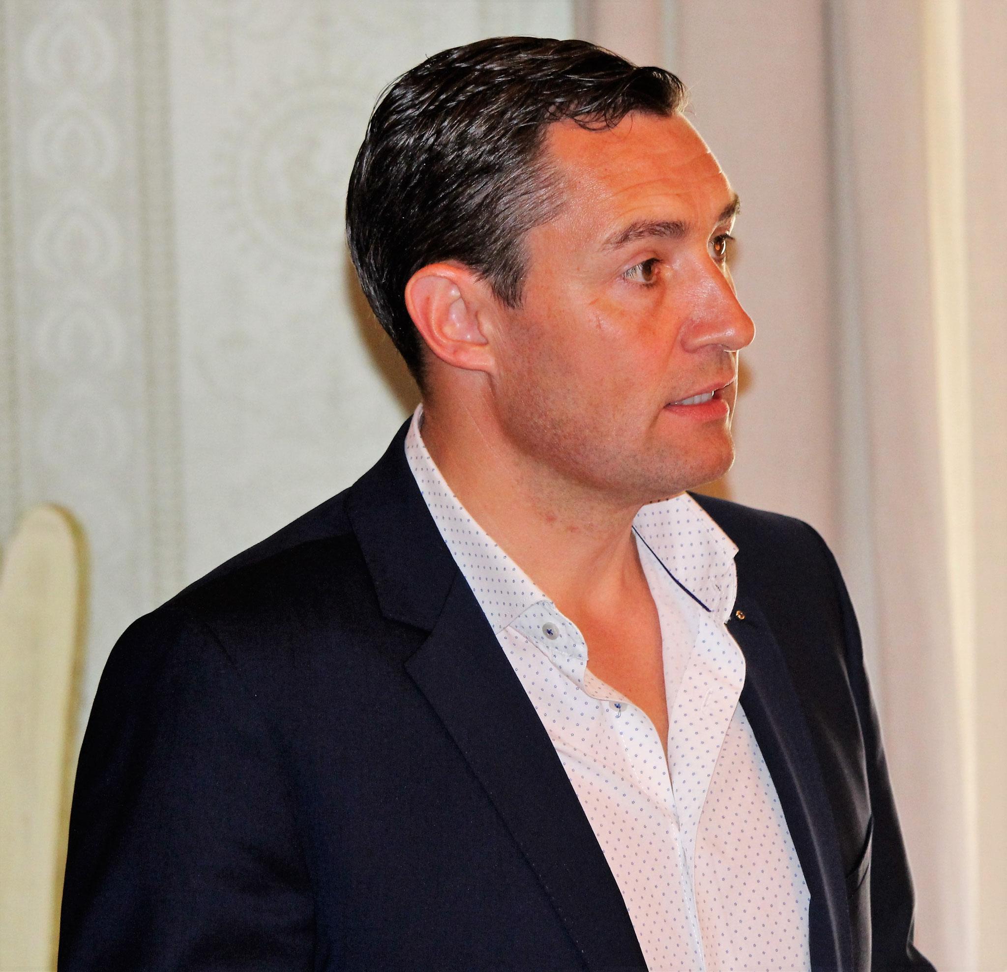 Präsident Remo Rudiger hält Rück- und Ausblick.
