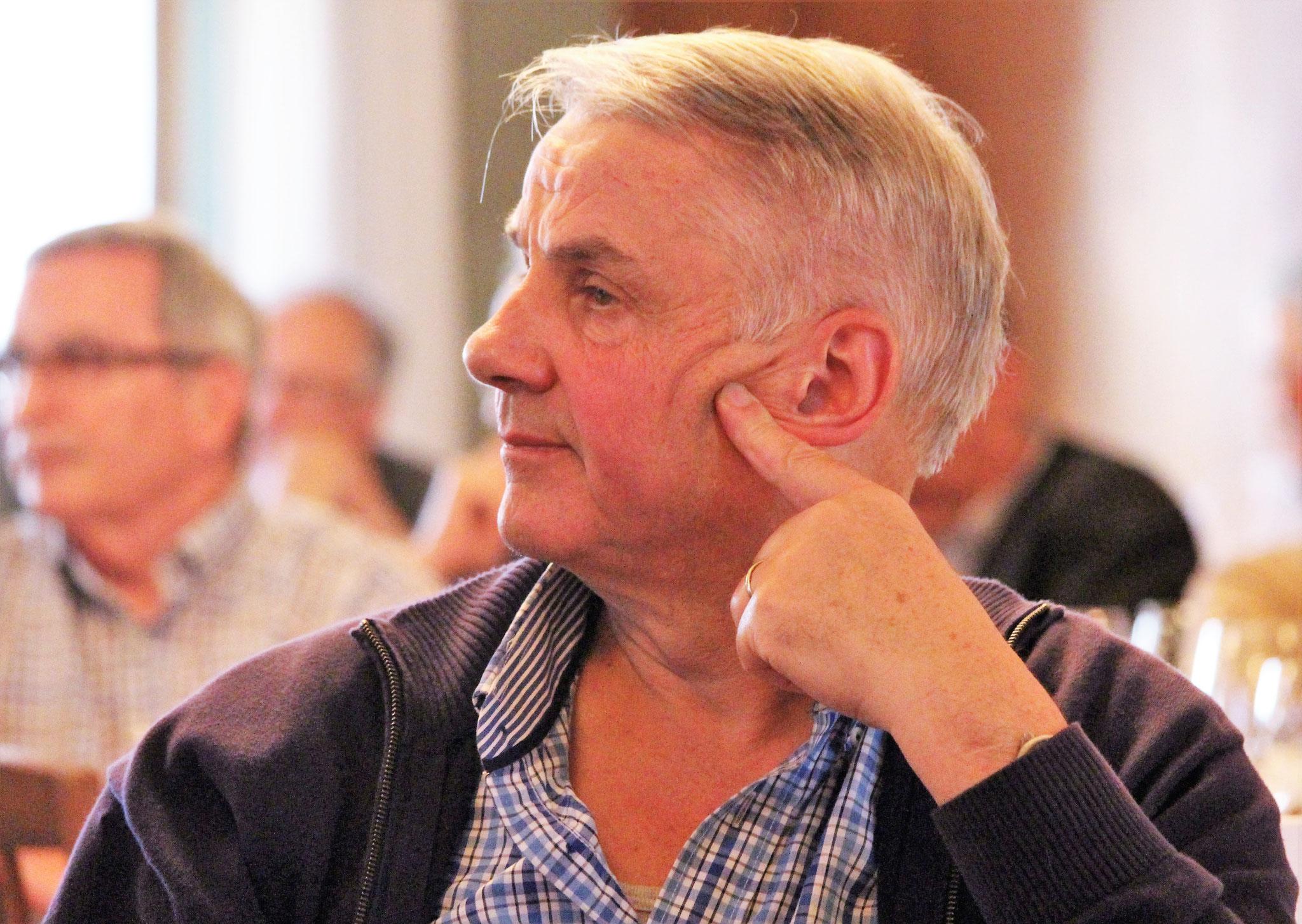 Mitglied Robert Haas (Langenthal) verfolgt die traktandierten Geschäfte.