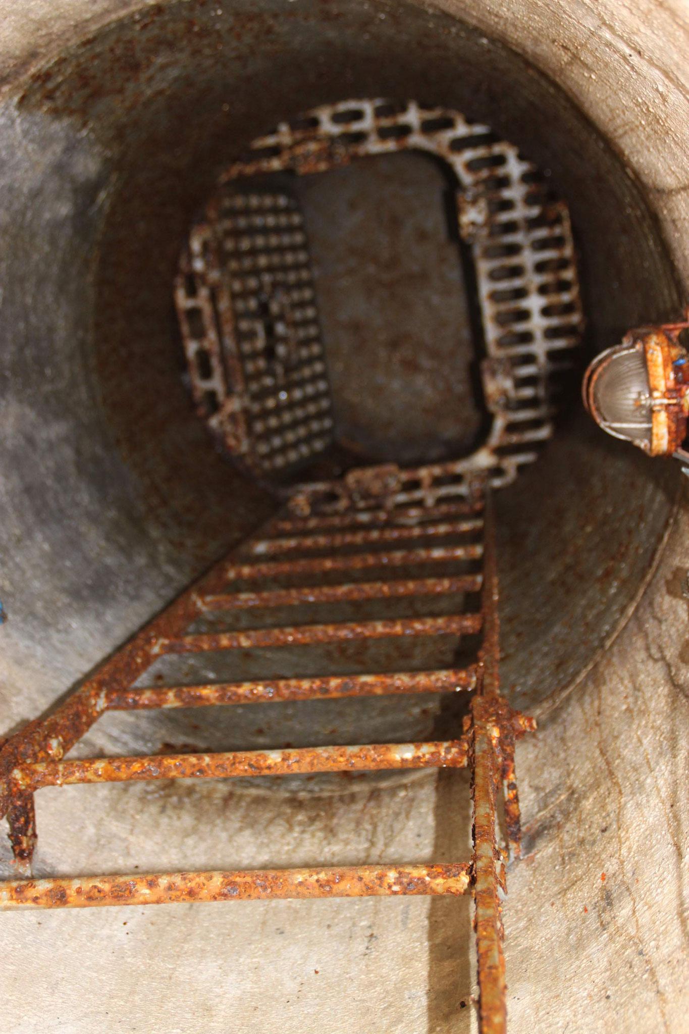 Scala di accesso alla cupola osservatorio.