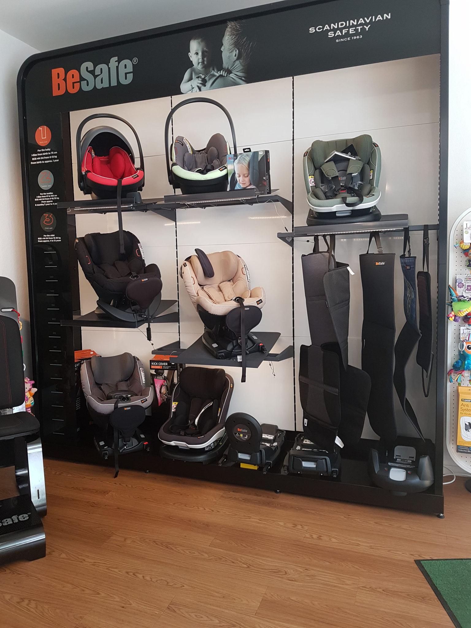 Die Zwergperten bieten als Fachhändler eine große Auswahl an Top-Auto-Kindersitzen ...