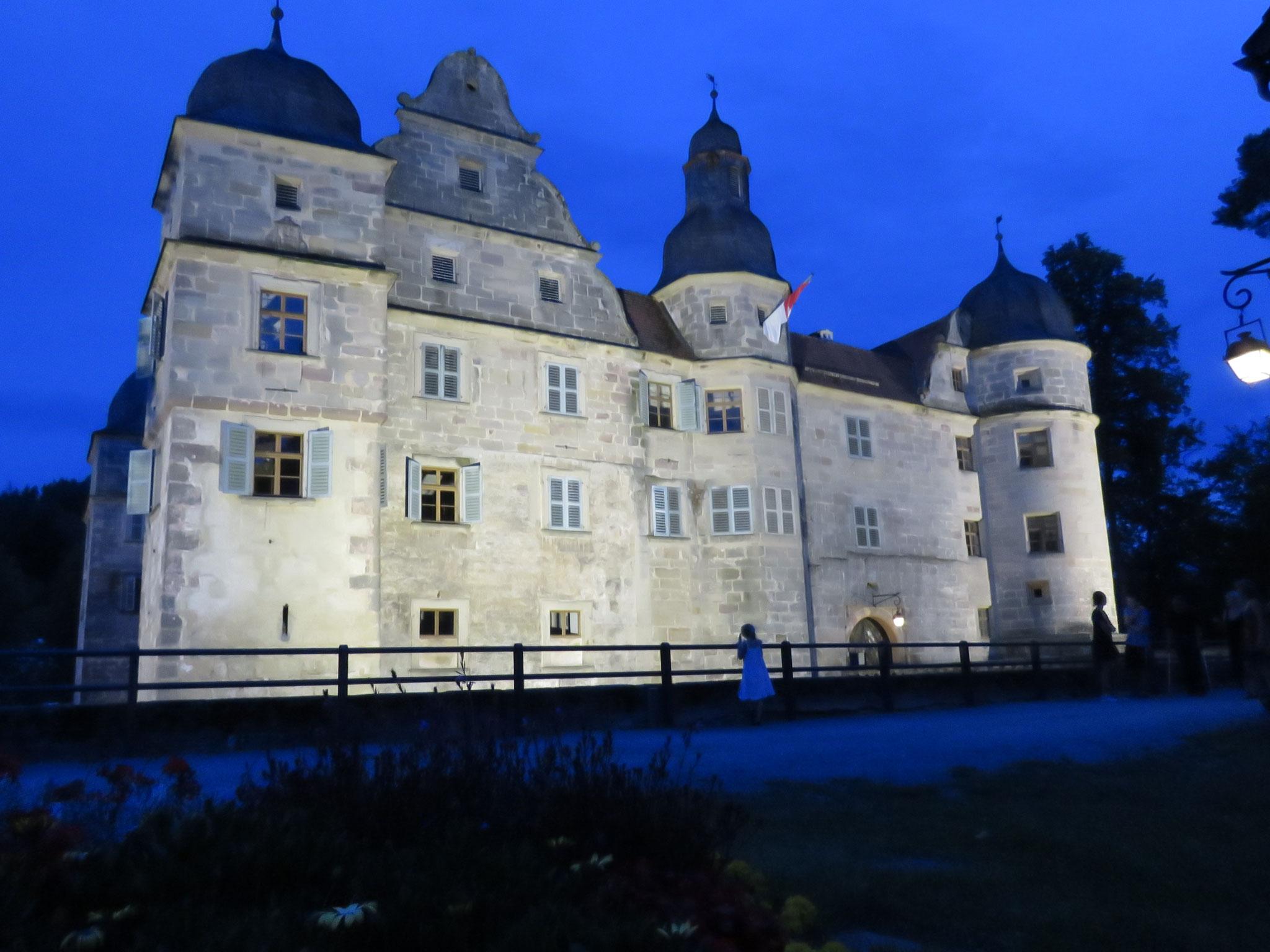 Im Juli waren wir bereit zu neuer Reise in alte Zeit. Das Schloss zu Mitwitz lud uns ein, Gast anno 1892 zu sein.