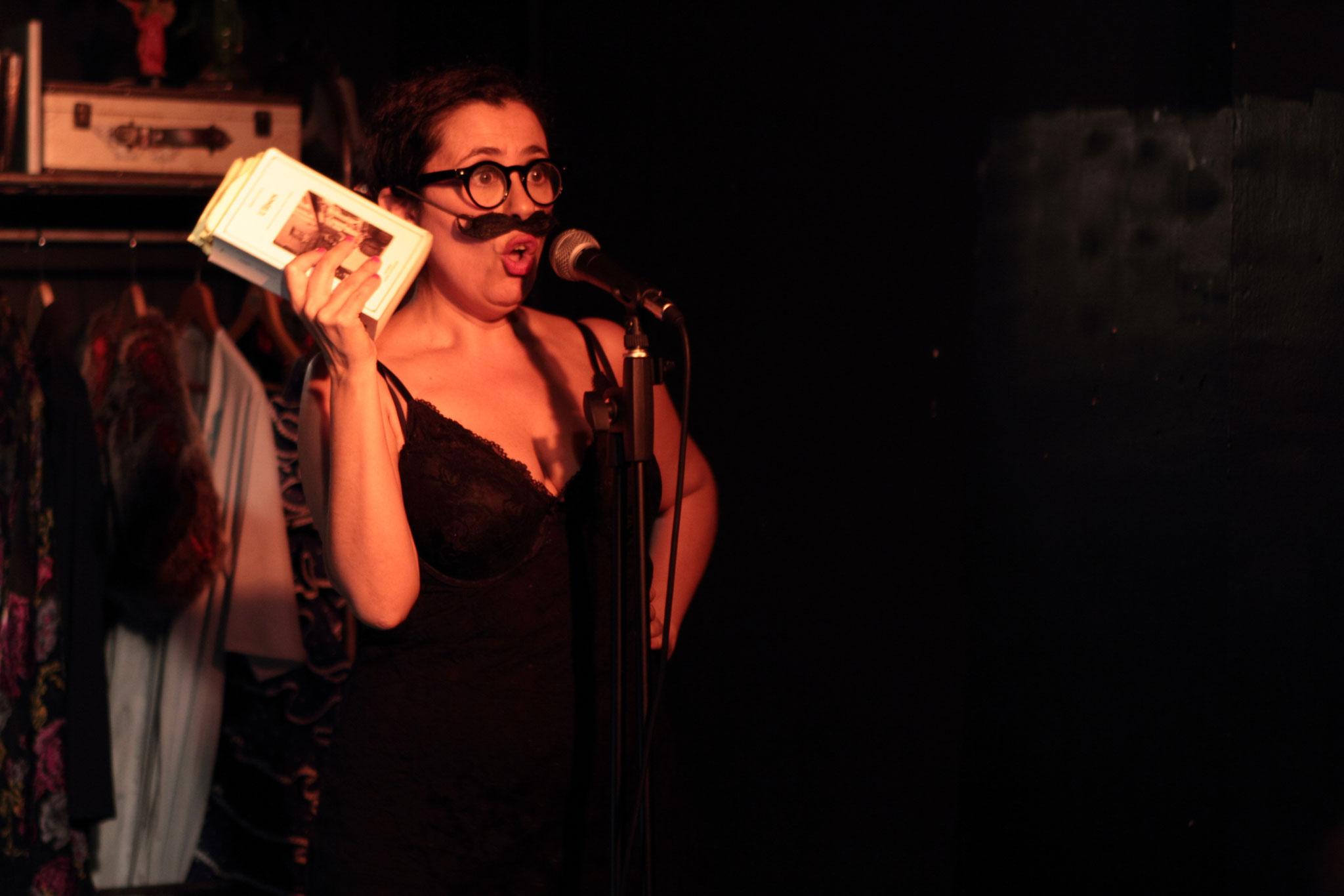 """""""Pequeño Cabaret Literario"""". 2015"""