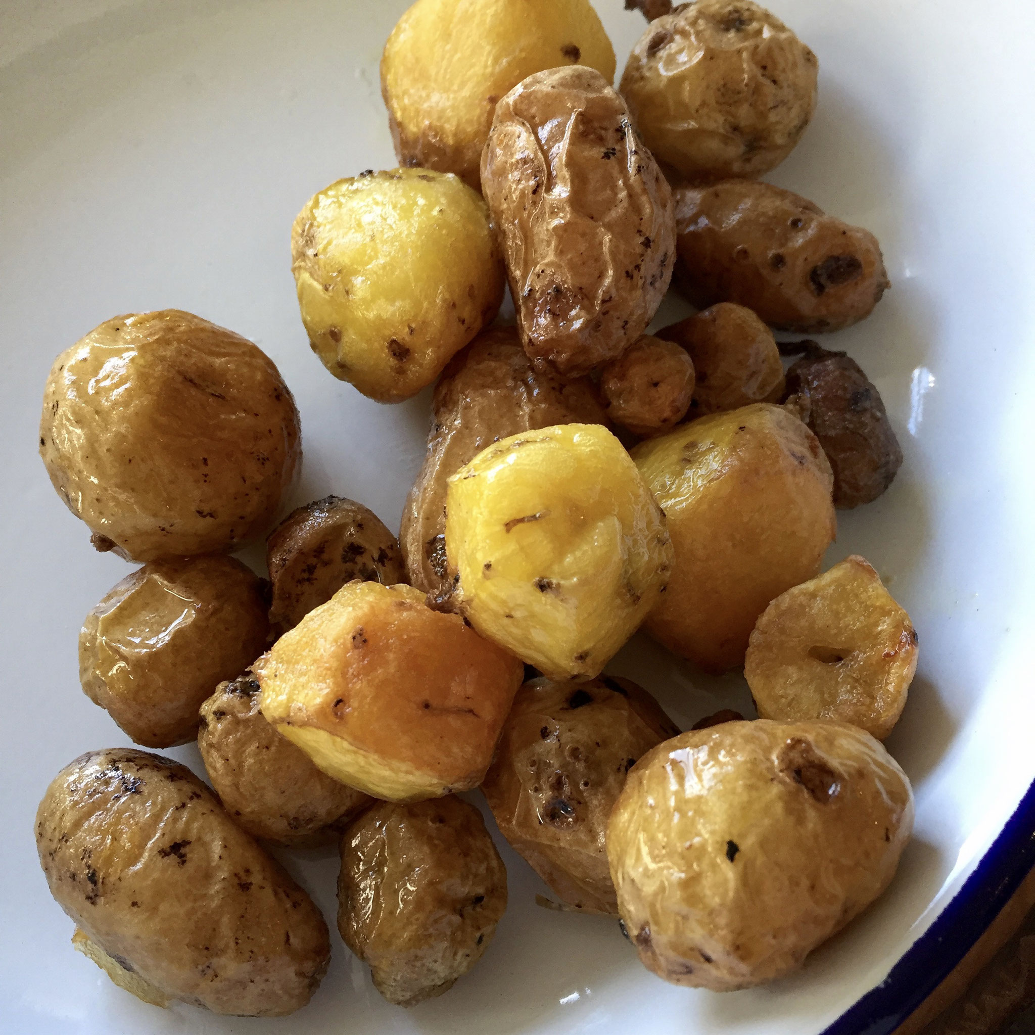 And here it is...the end result.  Balcony-grown roasted potatoes.  Can't get any better.