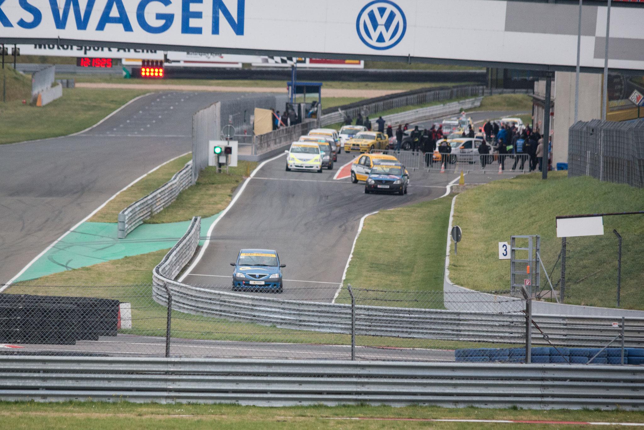 Dennis Bröker bei Startübungen in der Motorsportarena Oschersleben