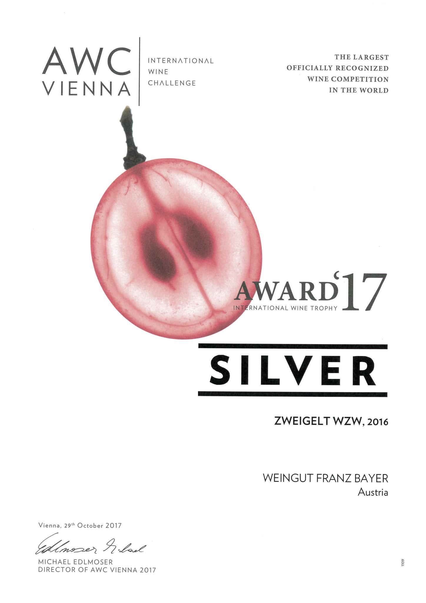 AWC Gold Weingut Franz Bayer Königsbrunn am Wagram Niederösterreich Austrian Wine 2 Sterne Weingut