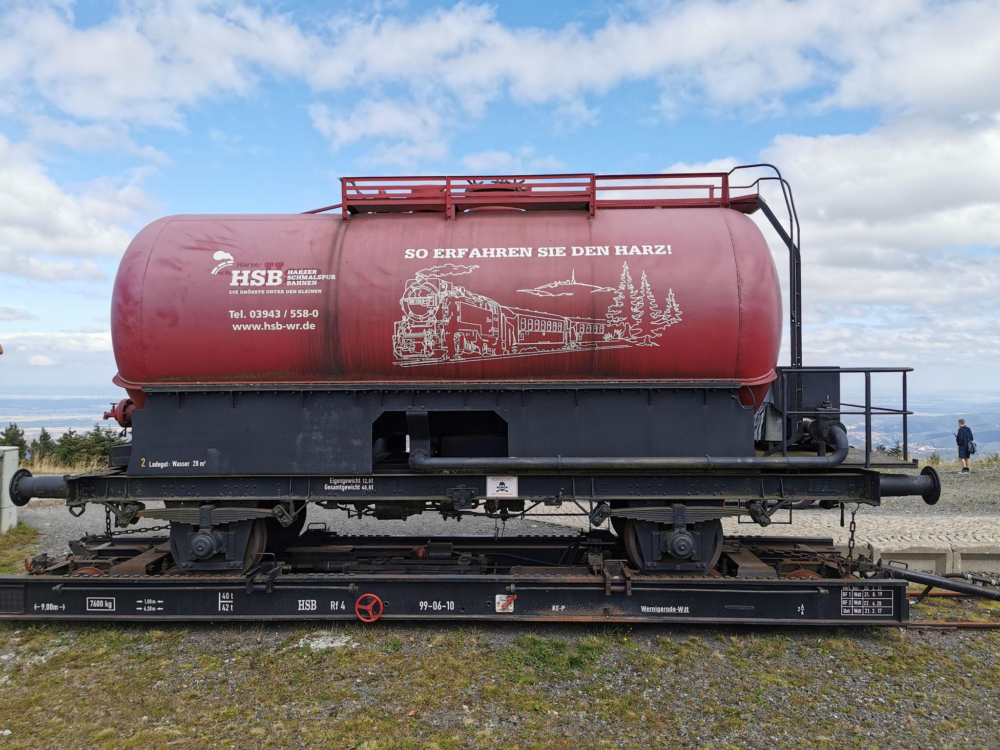 Feuerlöschwagen der Harzer Schmalspurbahn auf dem Brocken