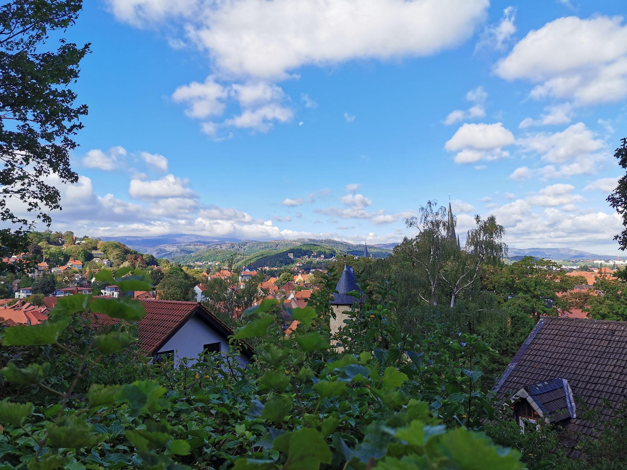 Blick von der Terrasse auf den Brocken