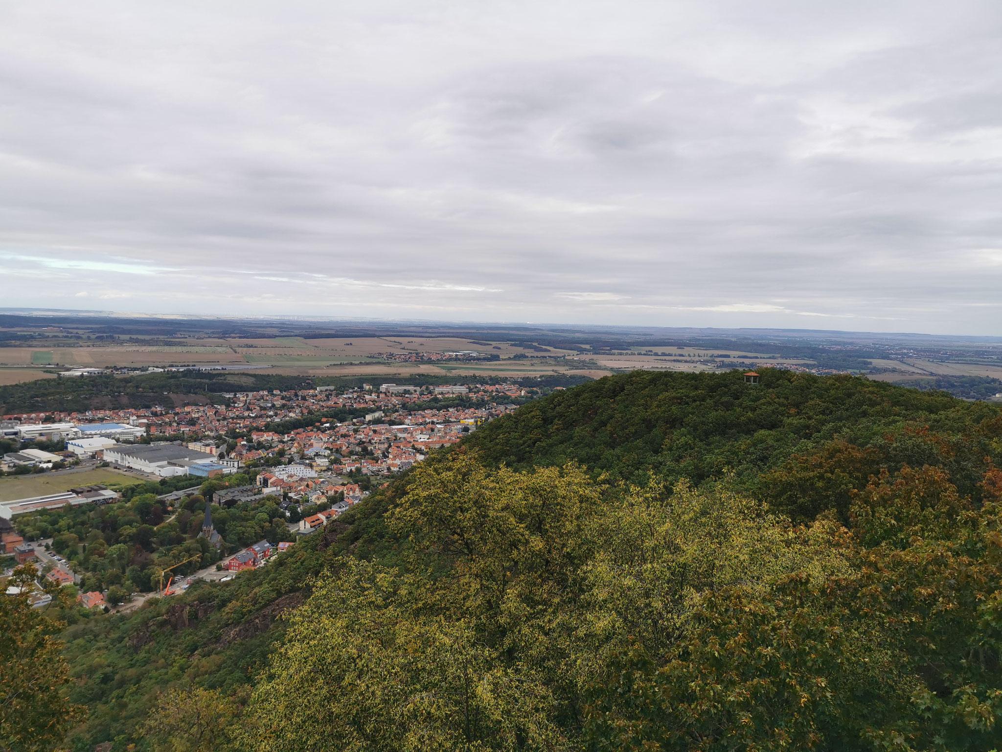 Blick vom Hexentanzplatz ins Tal