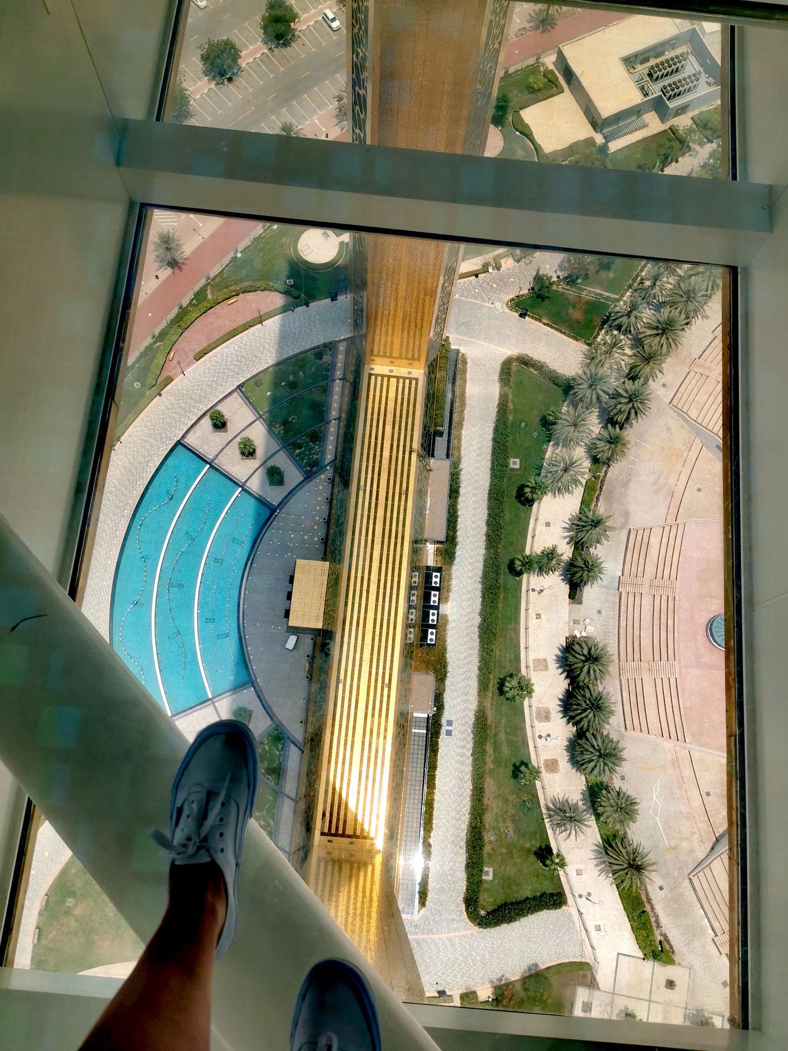 Der Glasboden im Dubai Frame