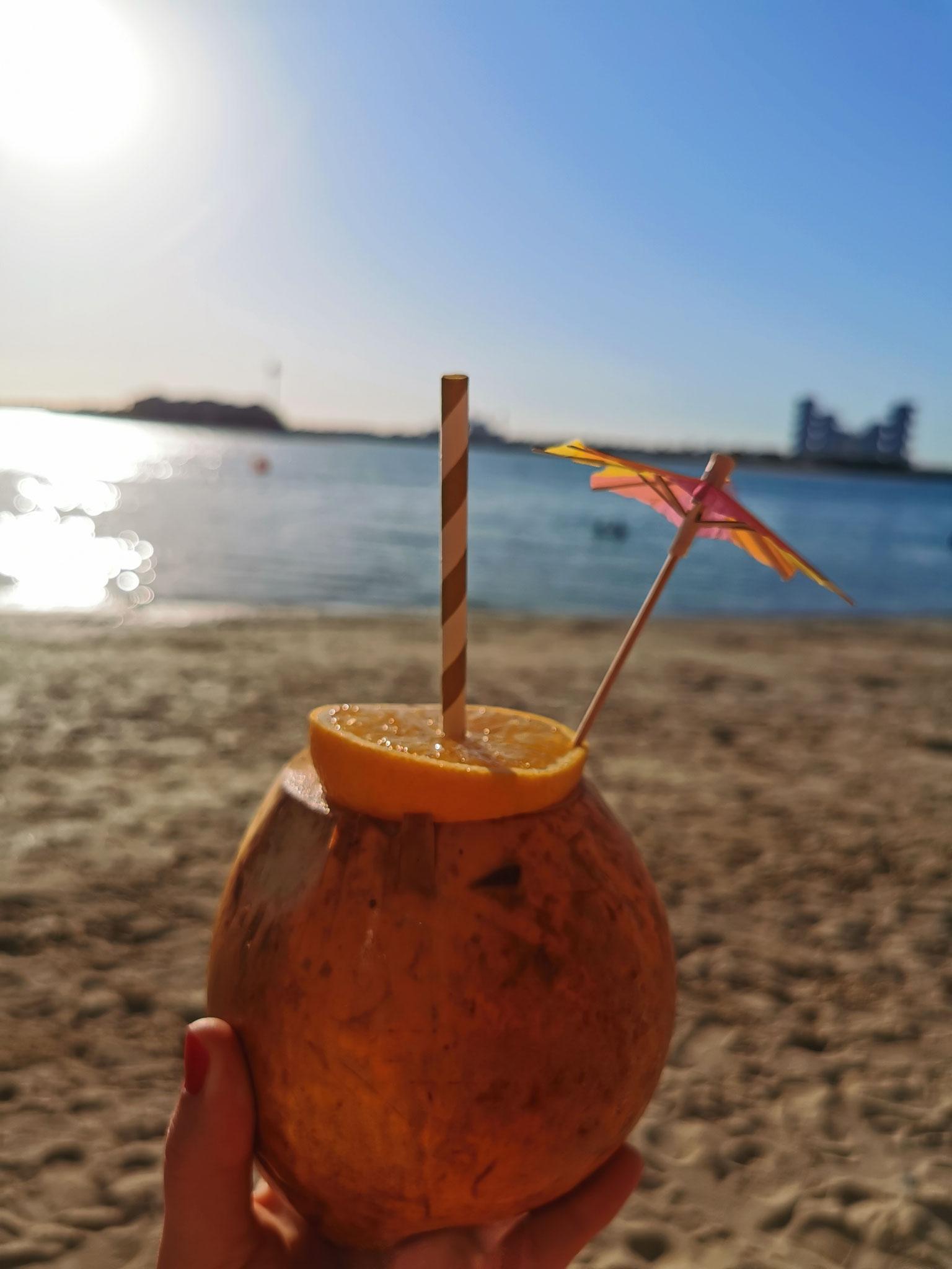 Leckere Mocktails am Strand, versüßen einem den Tag