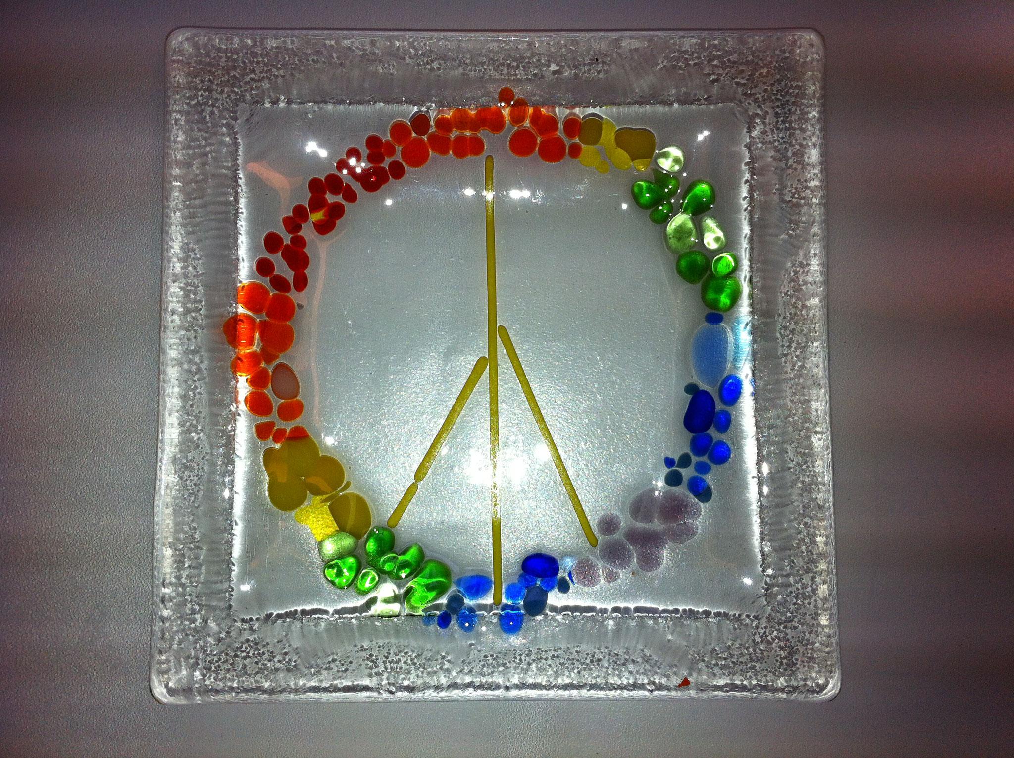 Kleine Glasschale mit Peace- Zeichen
