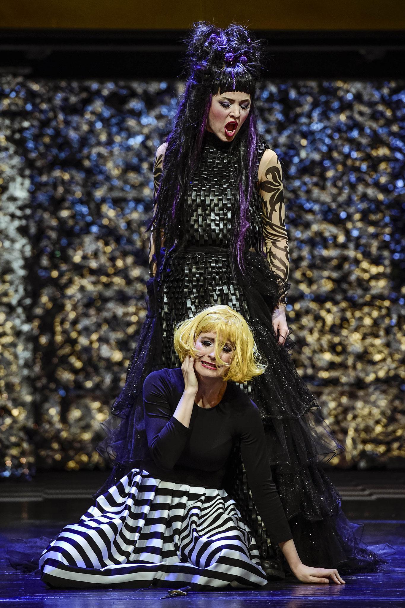 Pamina - Die Zauberflöte - 2018/19 Die Theater Chemnitz - Kostüm: Alexa Riedl, Maske: Nadine Wagner