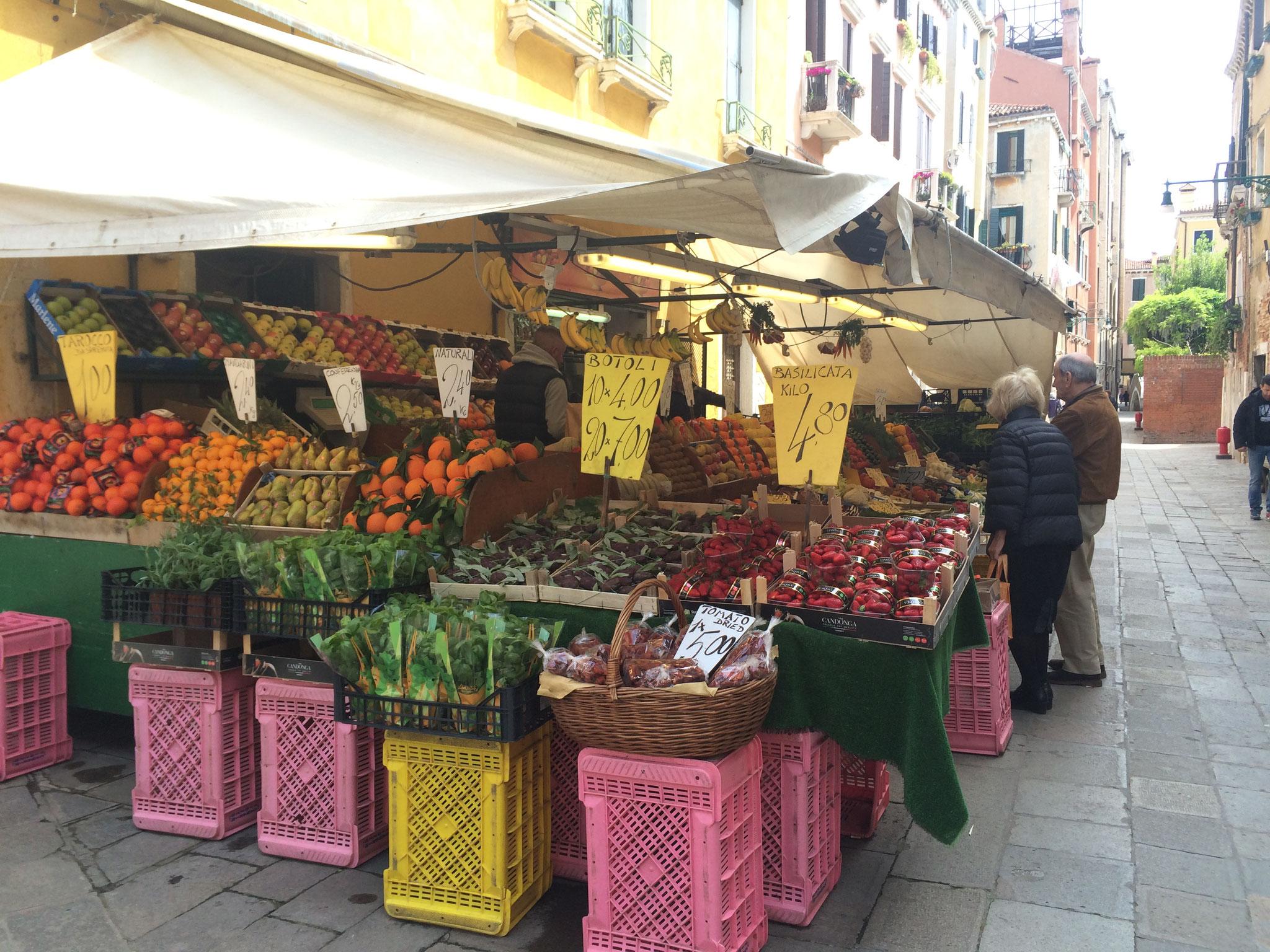 Bella Italia und lecker Früchte