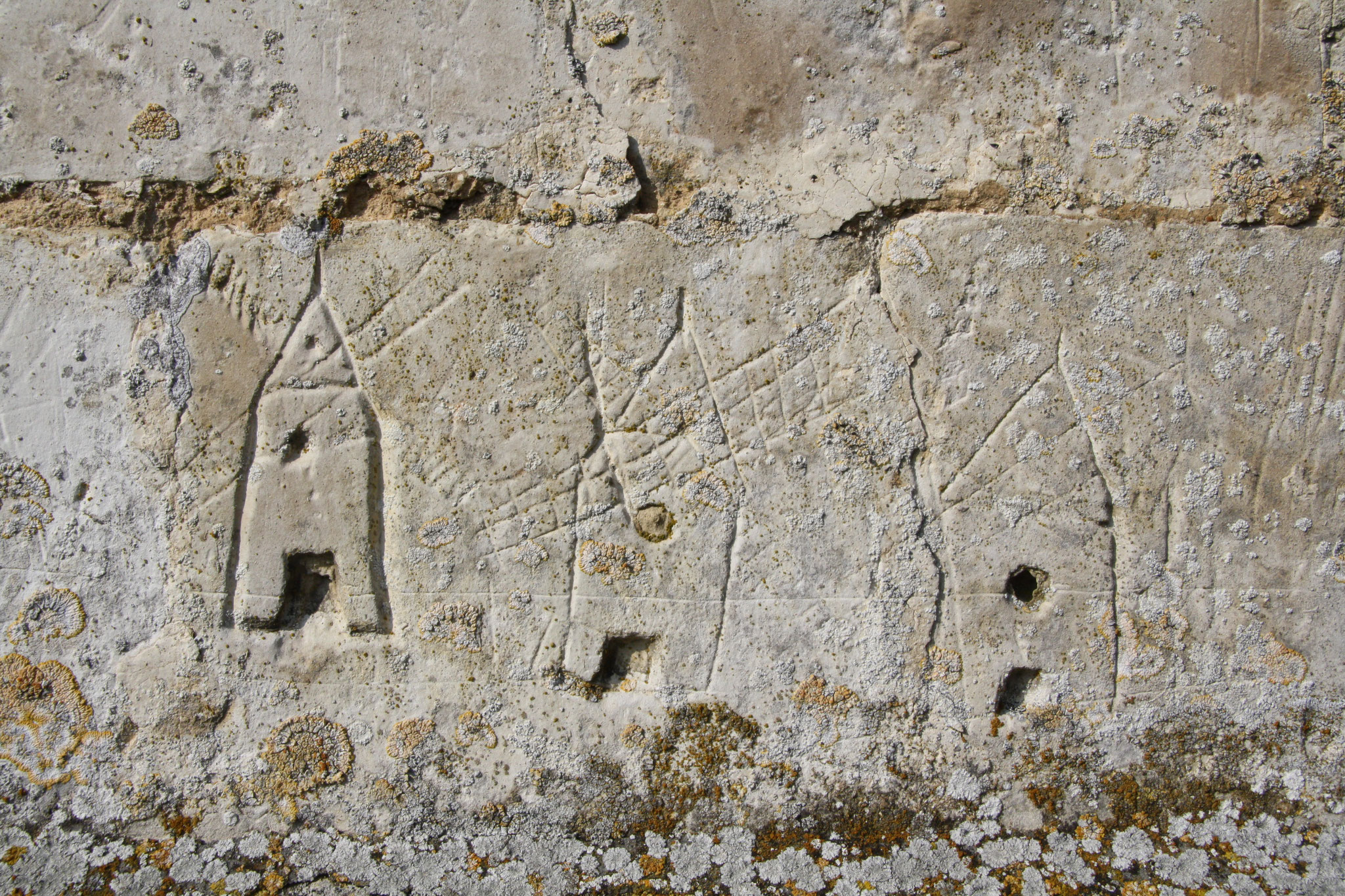 Graffitis sur l'église d'Humbercourt