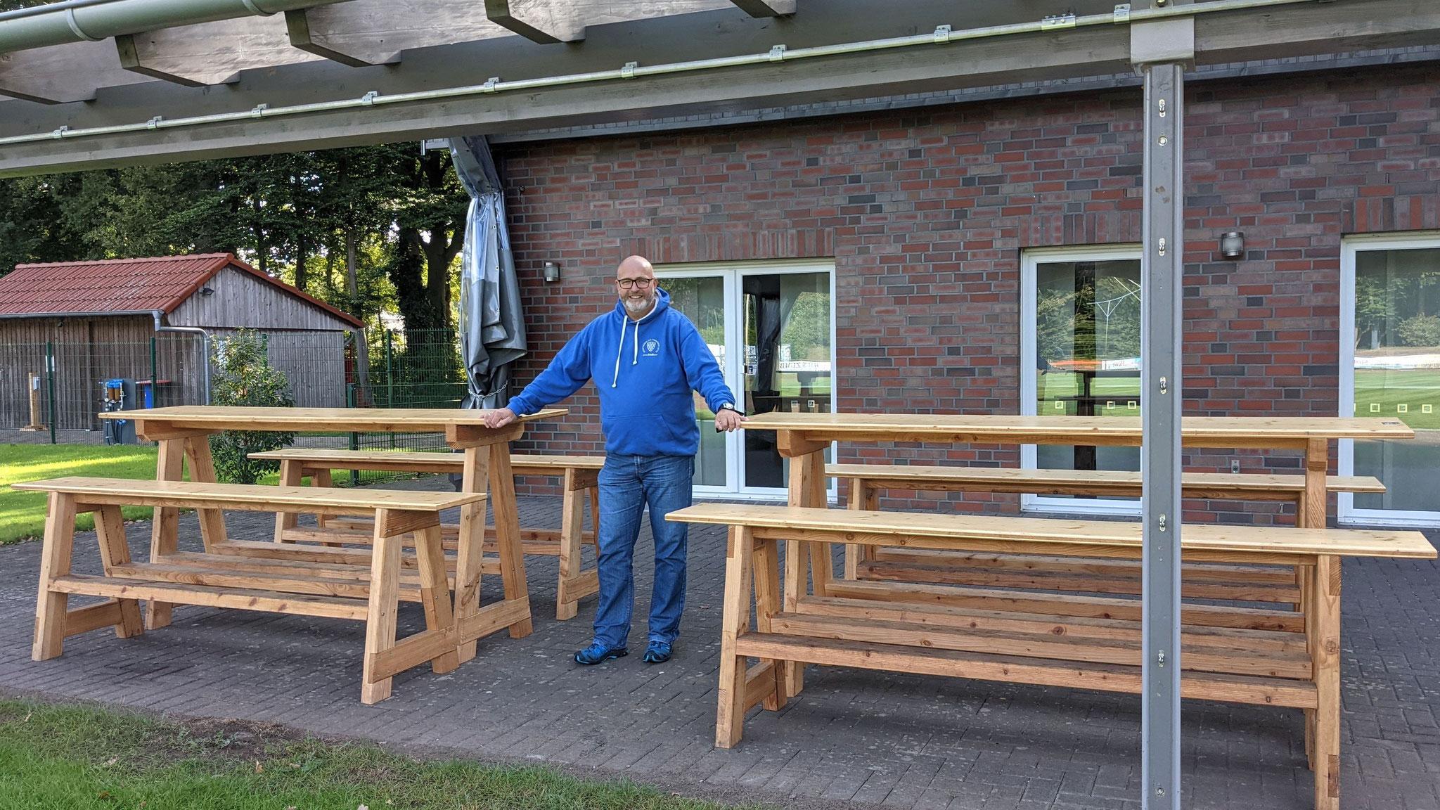 Mit mobilen Sitzgelegenheiten und einer Outdoor-Tischtennisplatte hat die DJK Vorwärts Lette e.V.  das Angebot zum Verweilen erweitert. Foto: DJK Vorwärts Lette e.V.