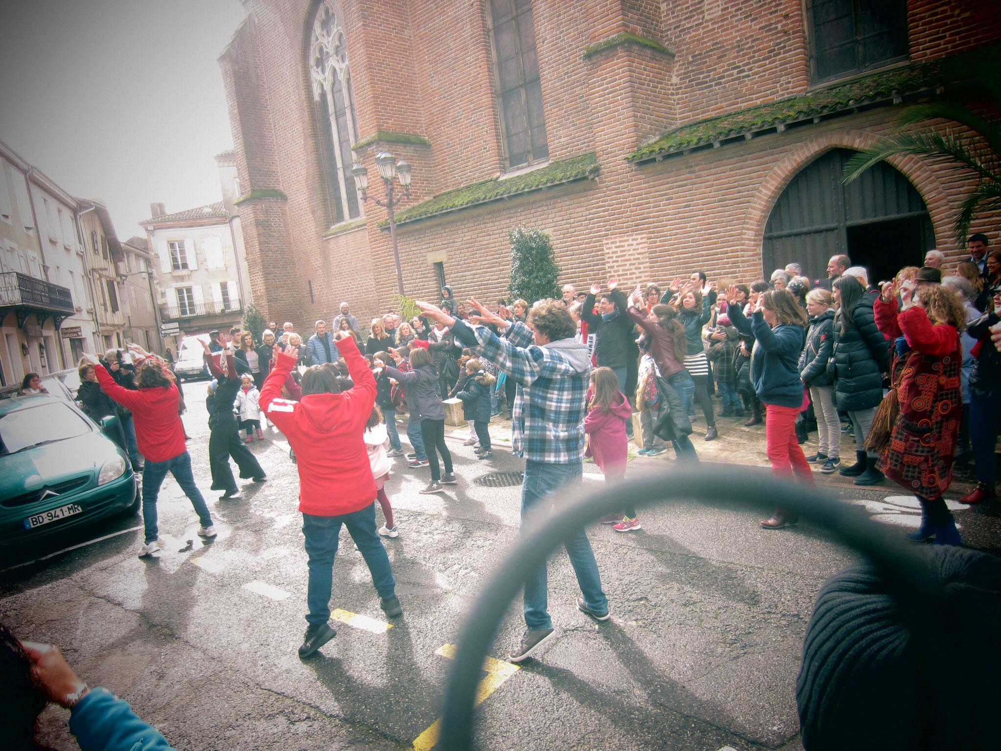 flashmob sur le parvis des jacobins