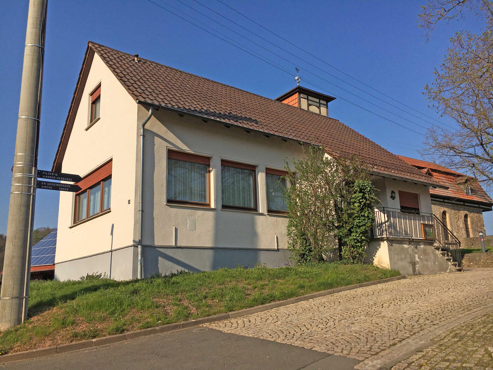 Evangelisches Gemeindehaus, Eichenbergstraße 12 in 37296 Ringgau-Lüderbach, Pilger- und Wanderherberge