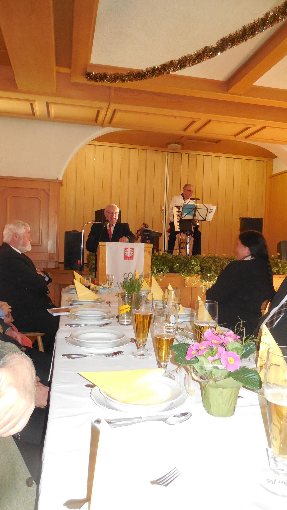 Josef Zimmermann bedankt sich für die Unterstützung in den vergangenen Jahren.