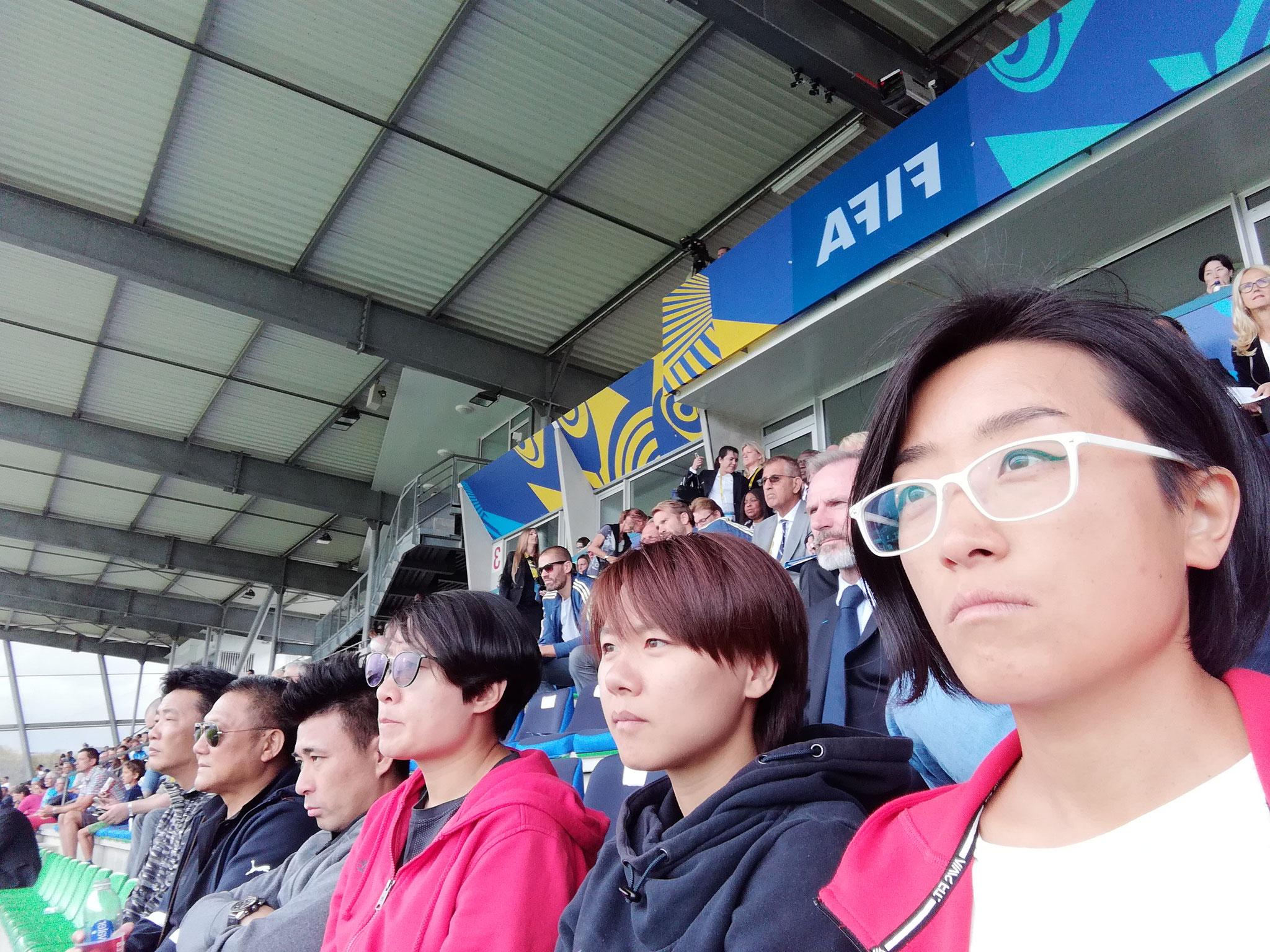 中国青年女足教练团在布列塔尼