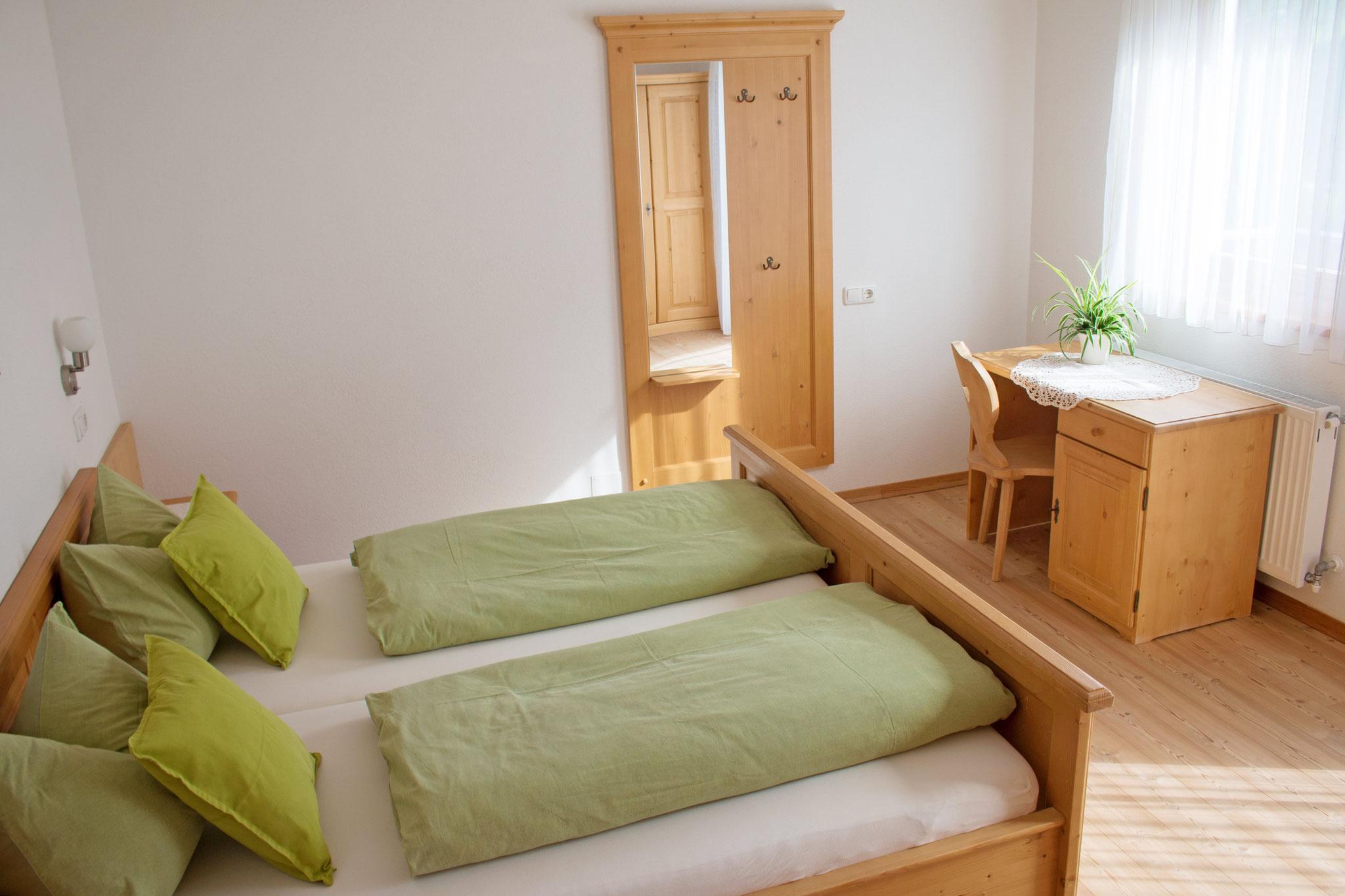 Eines der beiden Zimmer