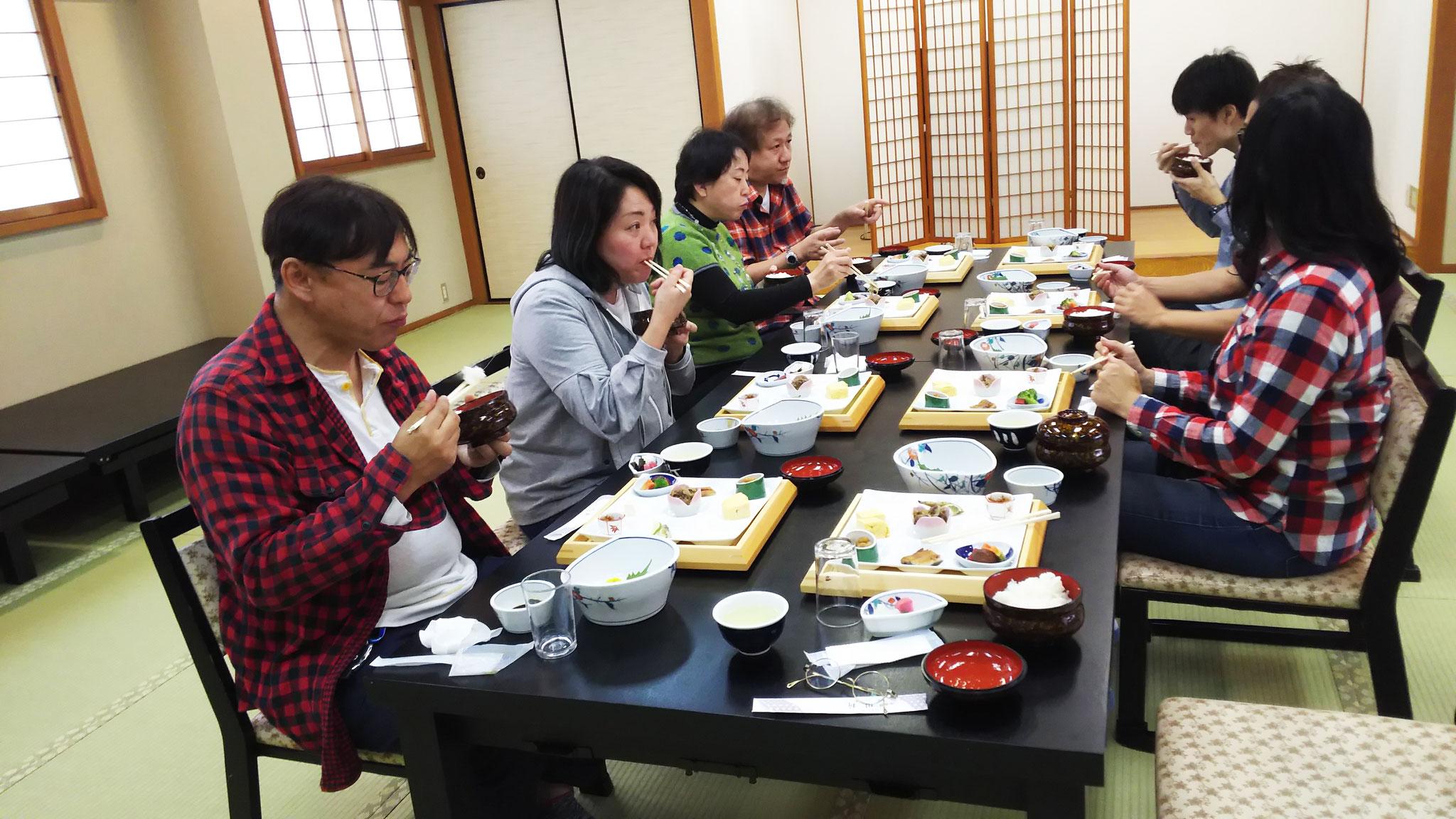 川新(懐石、湖魚等の料理)