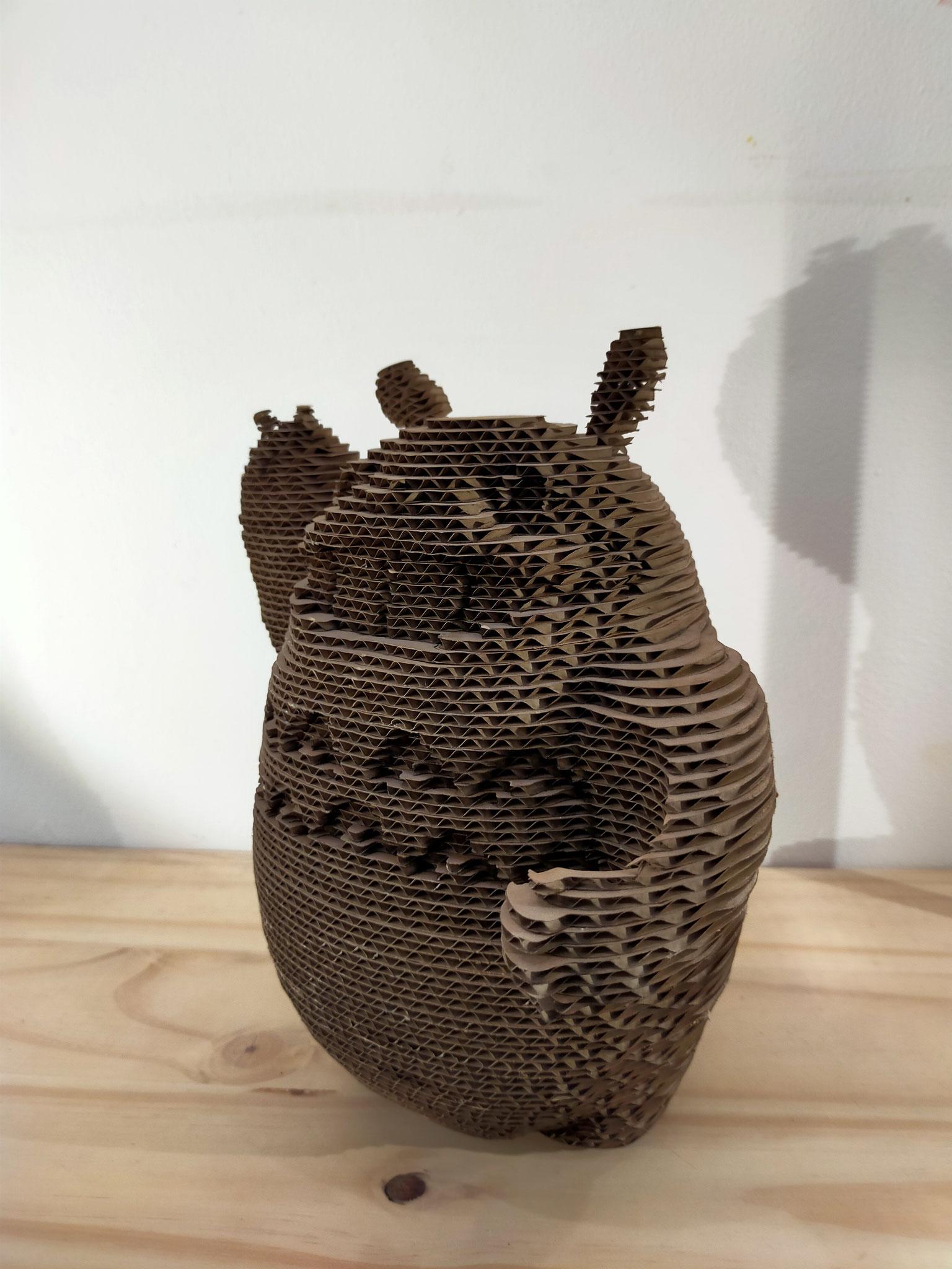 Totoro en carton recyclé