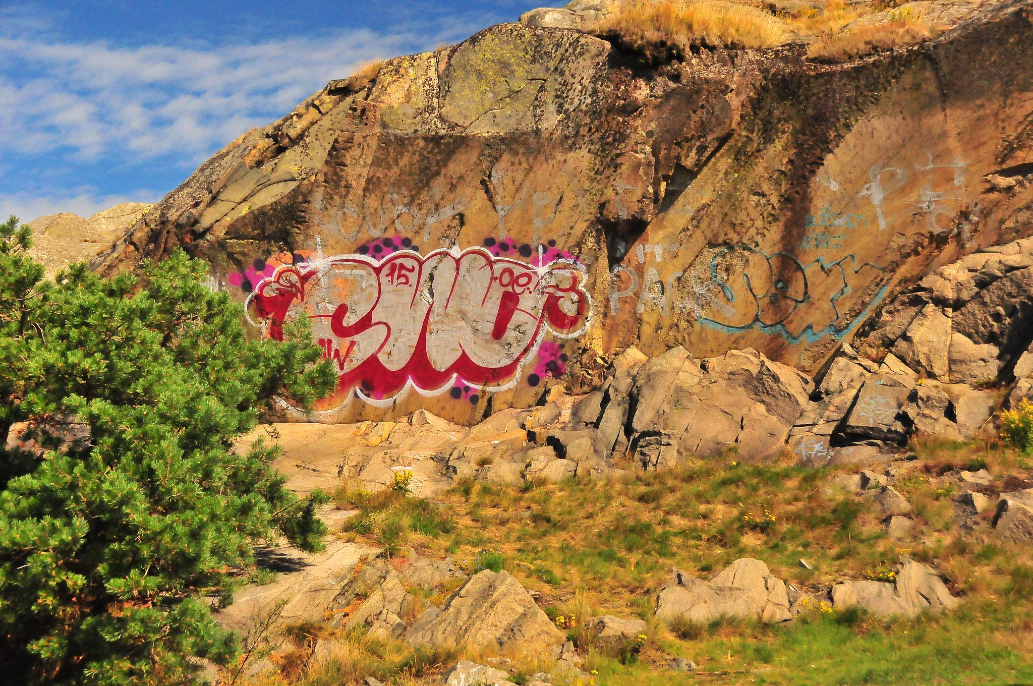 Graffiti On The Rocks