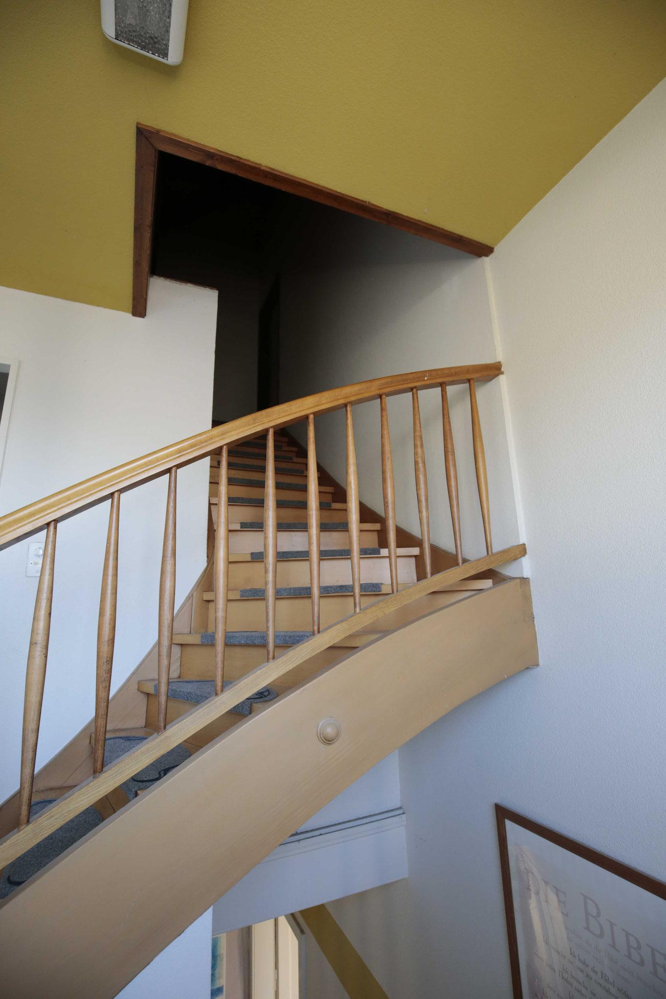 Treppe zum Eingang im 3. OG