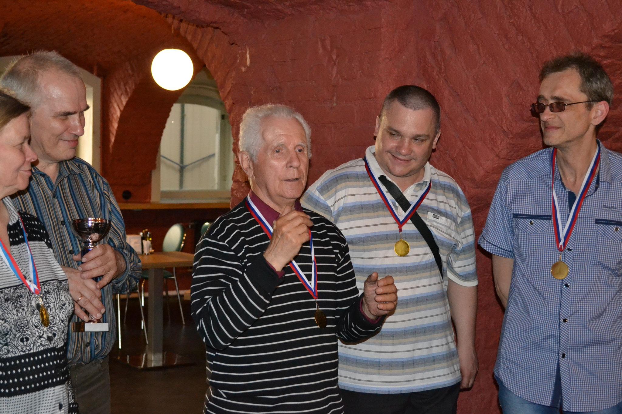 Ю.Соколов благодарит всех за фестиваль