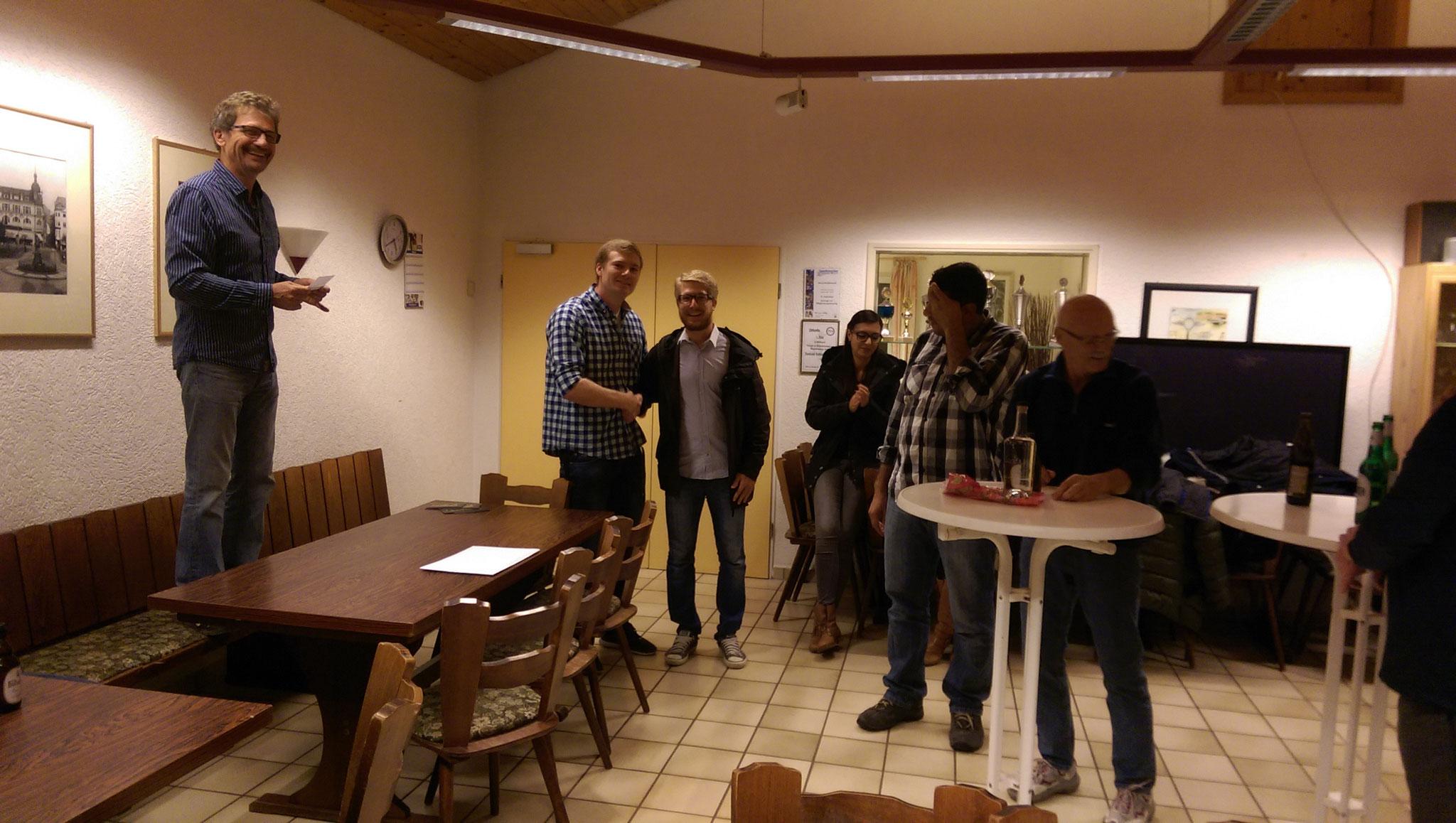 Udo Meuer und Steffen Göbel mit Einzelclubmeister Johannes Gorgulla