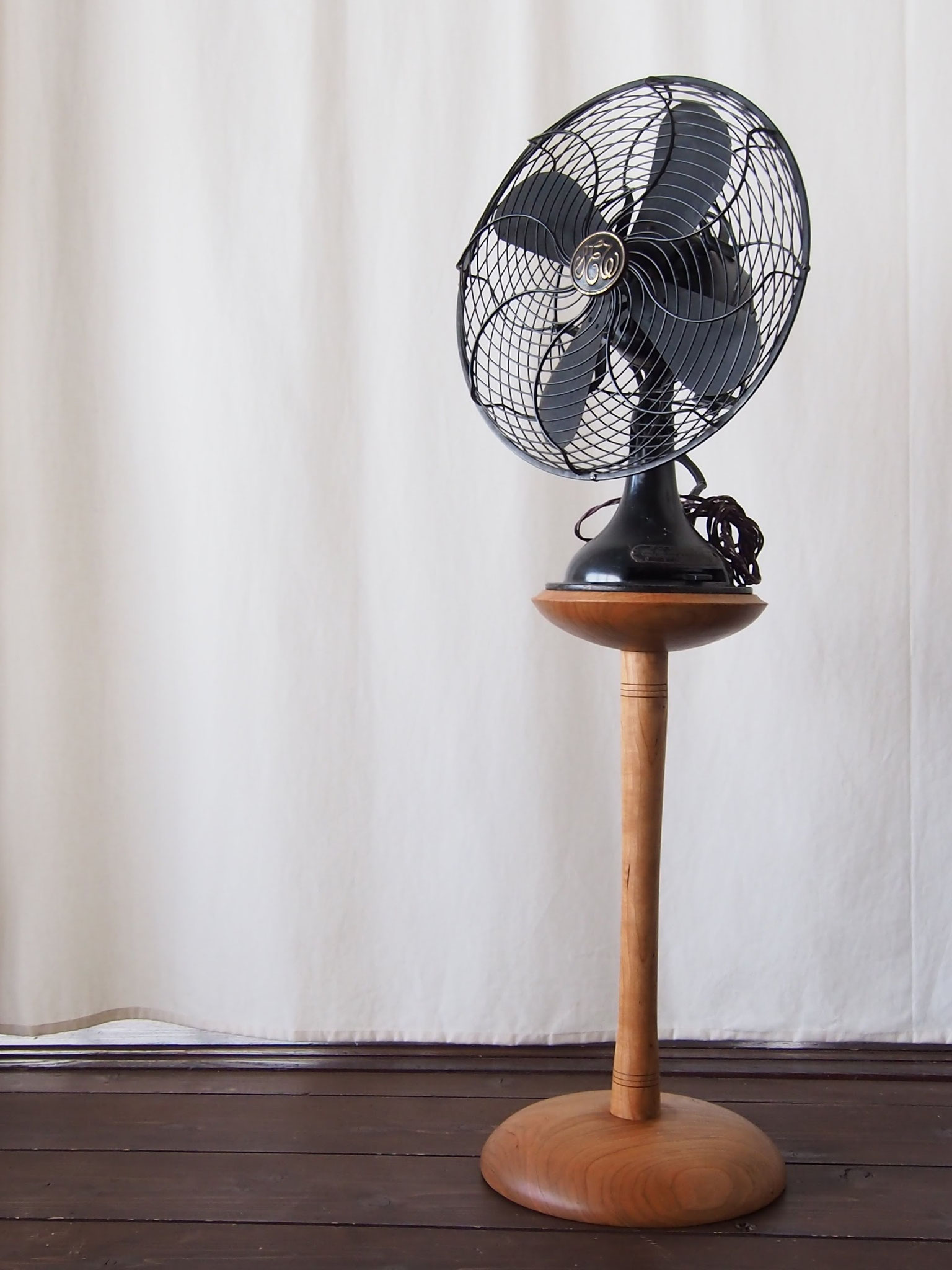 扇風機 ( Old Electric Fan )