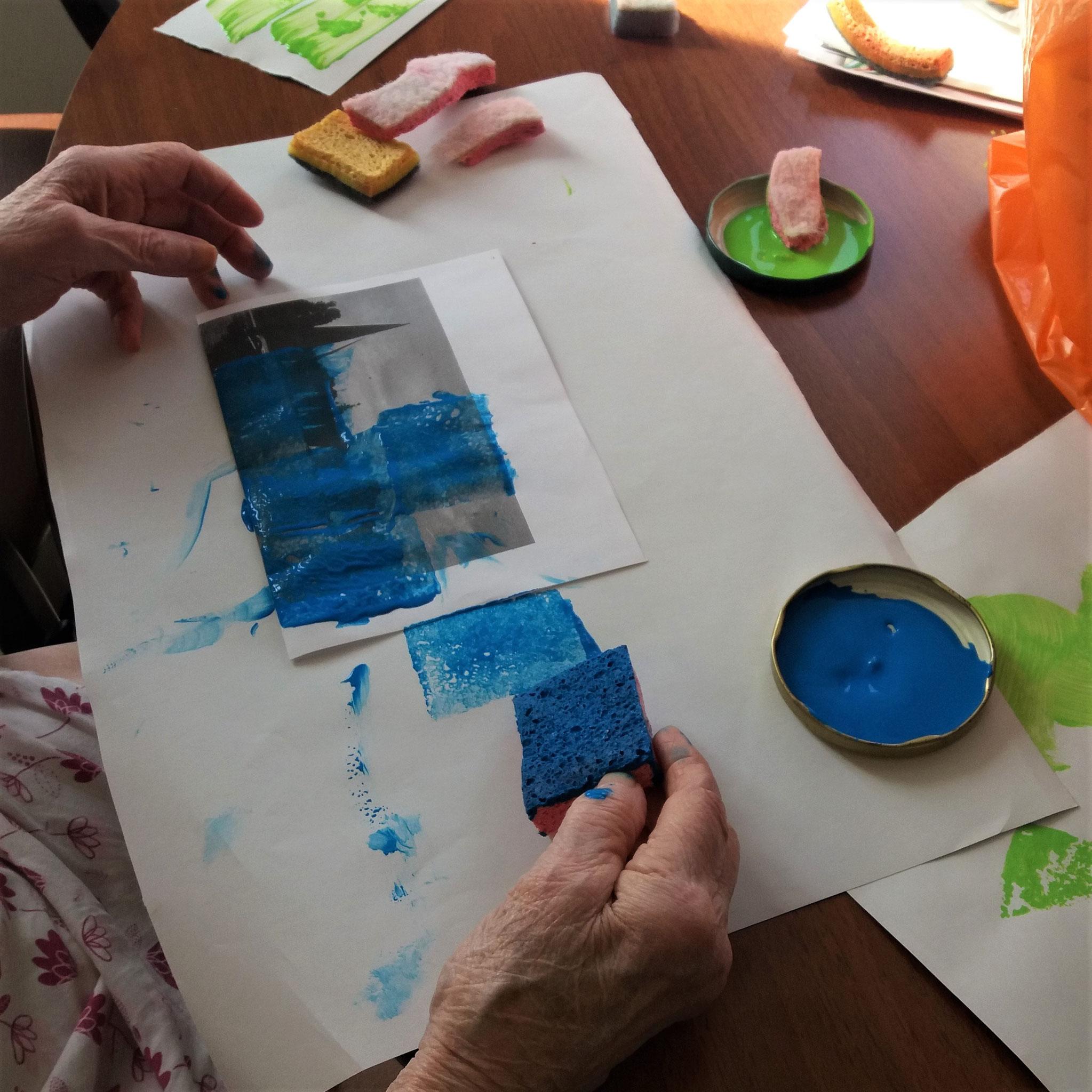 """""""Cela me rappelle mon enfance. Mais je n'avais pas le droit de toucher la peinture avec les doigts !"""""""