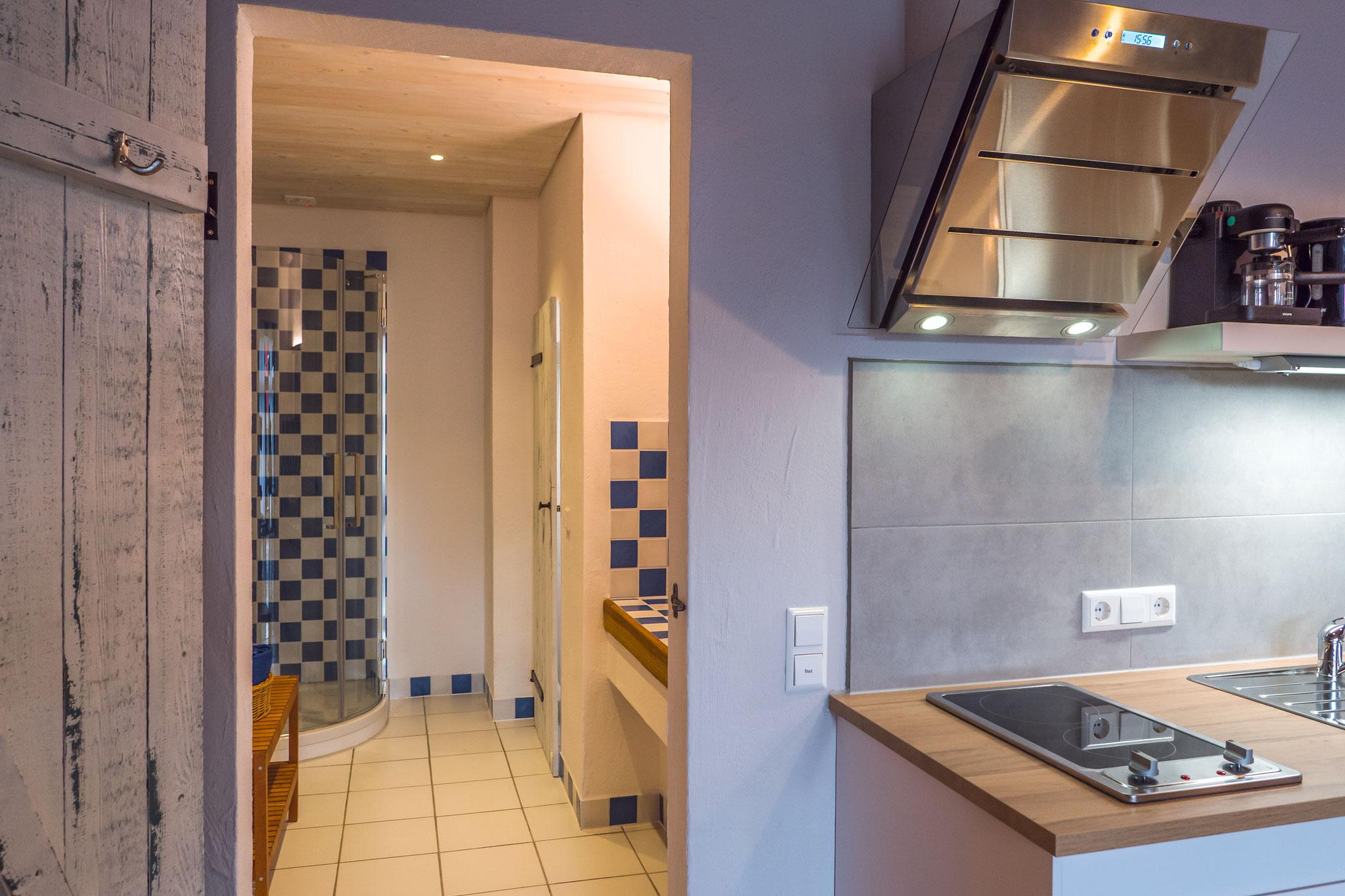 Seminarraum und Gruppenraum, Badezimmer, Küche
