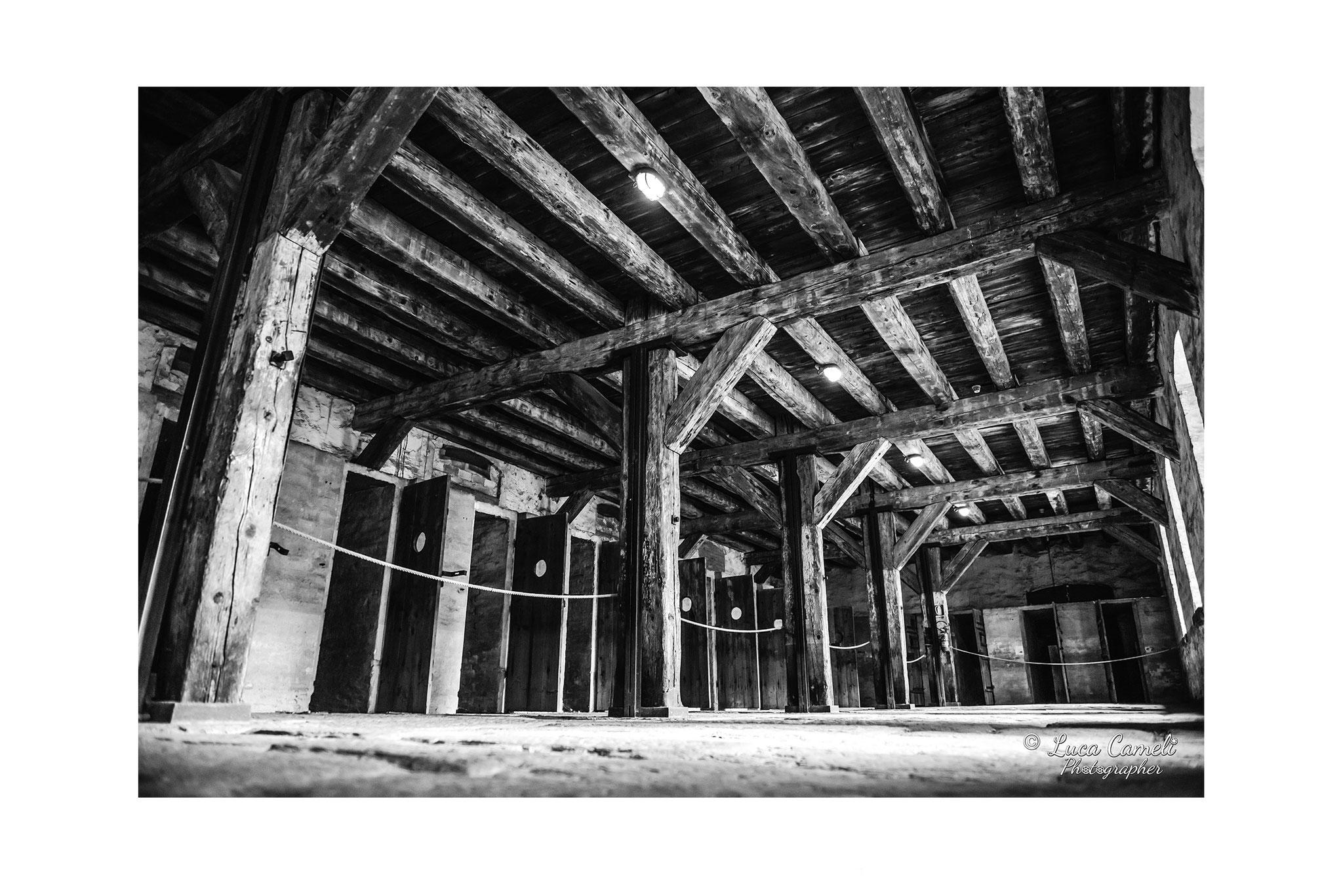 """""""Speranze rinchiuse"""" Risiera di San Sabba (2017). Stanza delle celle dove venivano rinchiusi i prigionieri. © Luca Cameli Photographer - Selezionato Venice International Art Fair 2020"""
