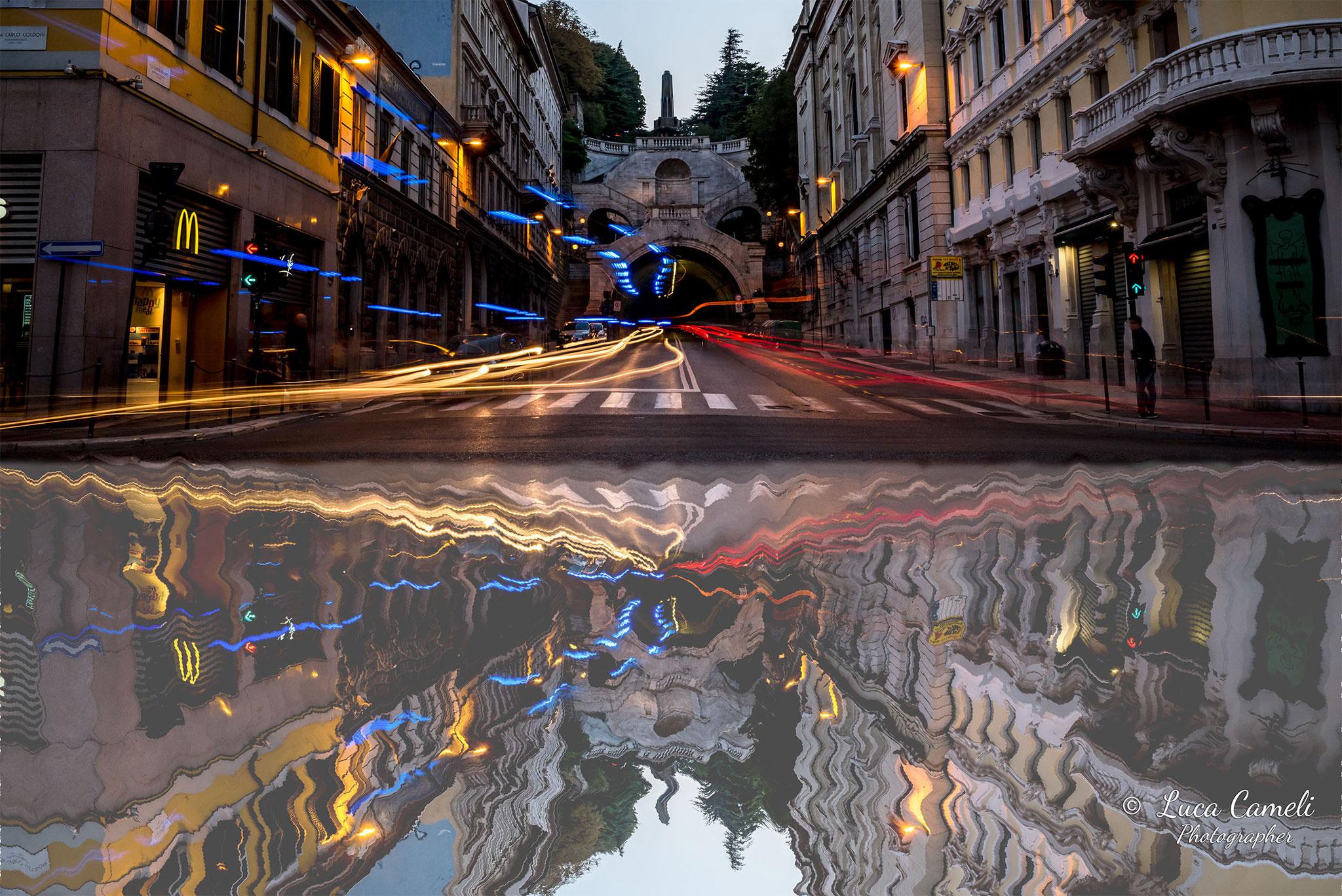"""""""Riflessi Della Frenesia Quotidiana"""", Trieste: Piazza Goldoni,  La Scala Dei Giganti - Premio Canaletto"""