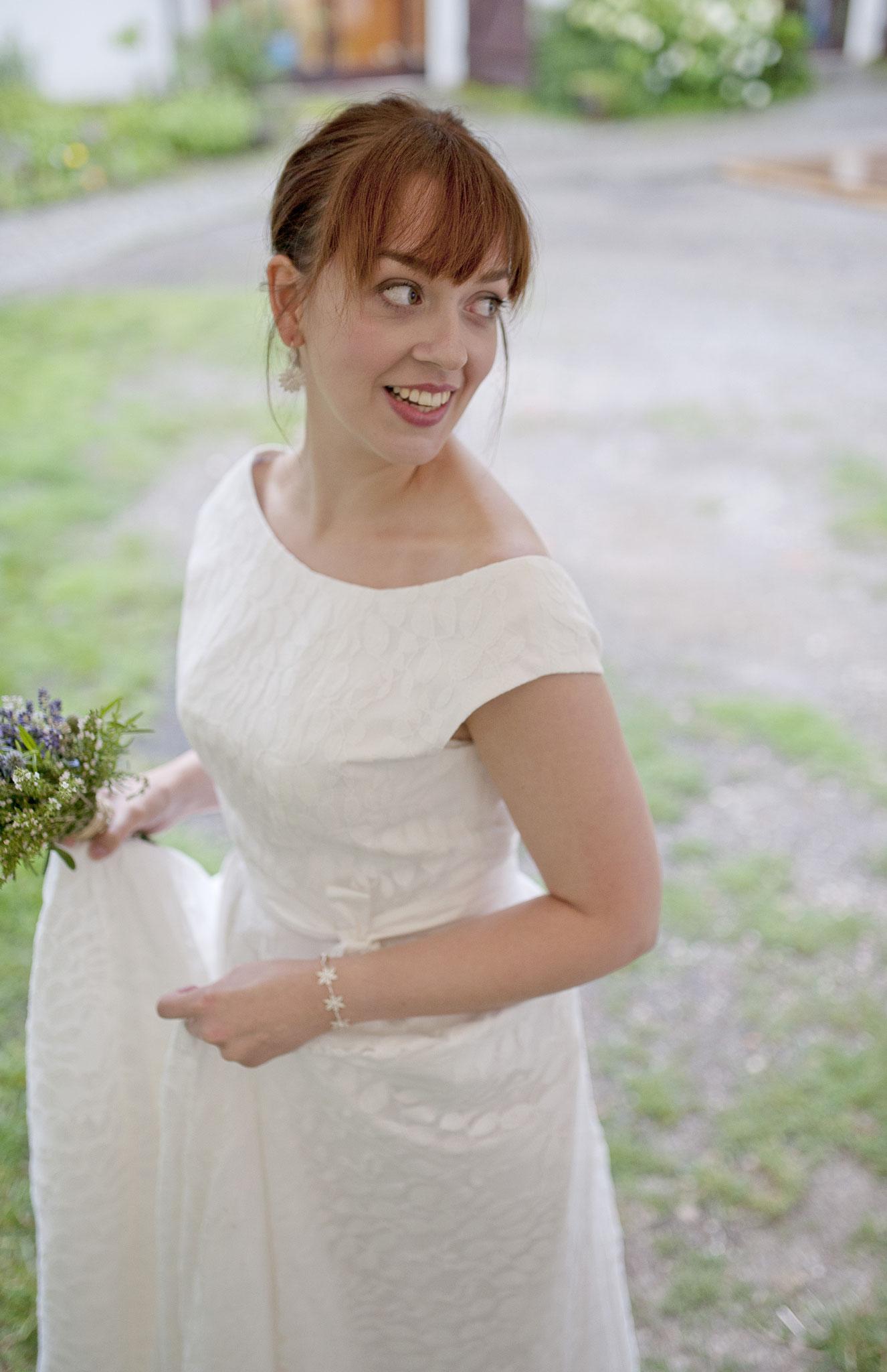 """Vintage Brautkleid mit Spitze """"Sonnentochter"""" Bild: Daniela Müller"""