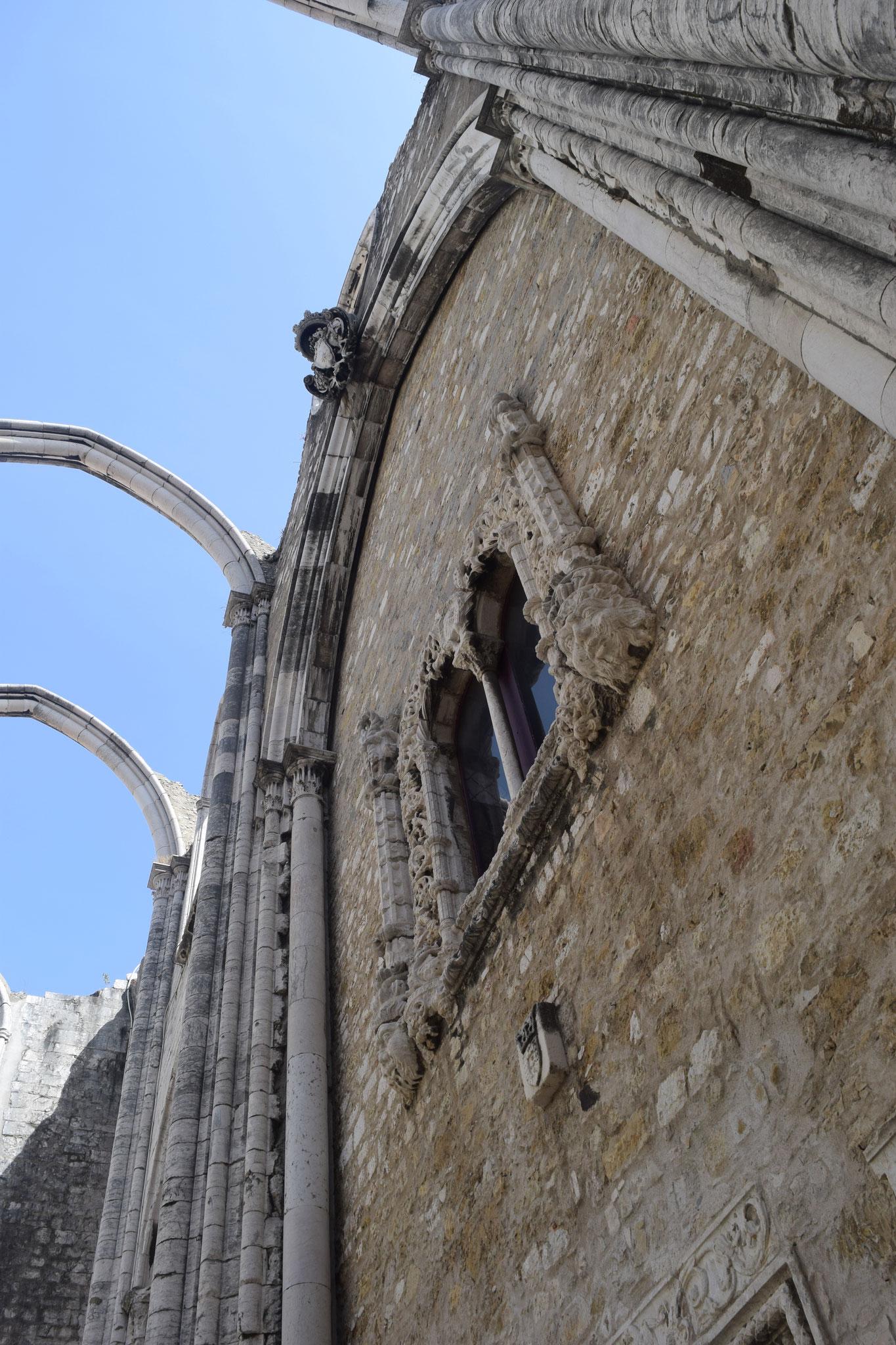 Meine Reiseempfehlungen für Lissabon in Portugal, wie das Convento do Carmo.
