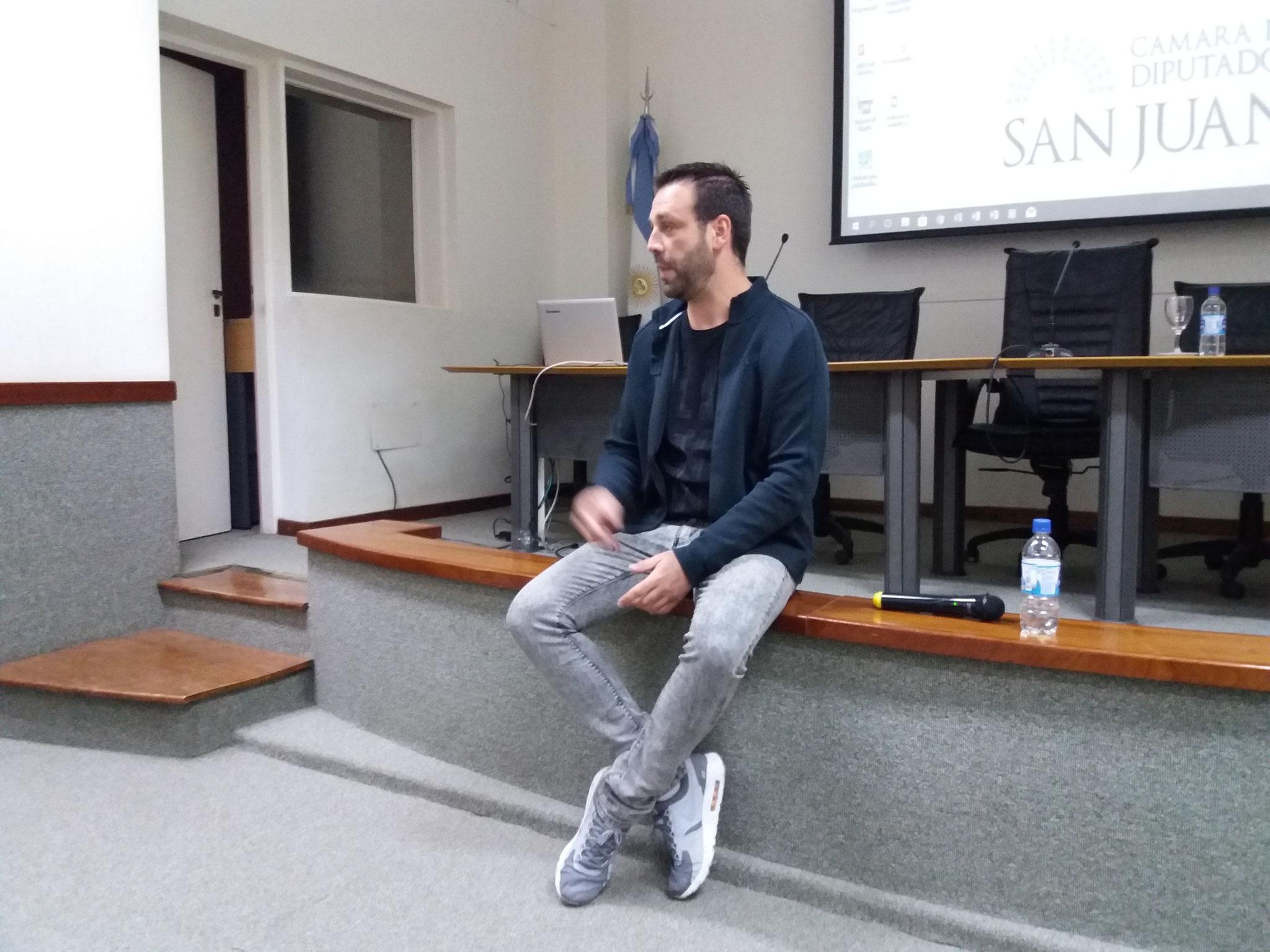 Ricard Muñoz durante la charla
