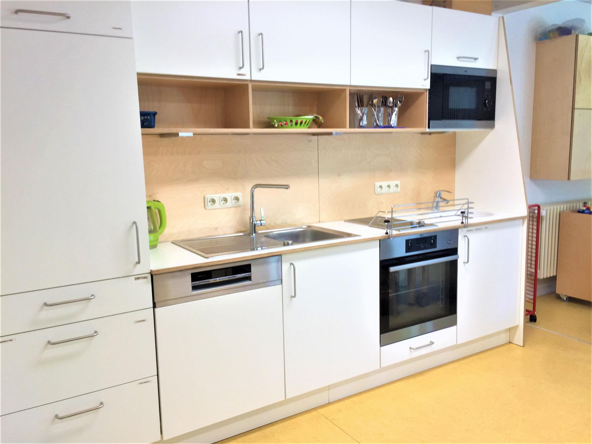 Küchenzeile integriert im Gruppenraum