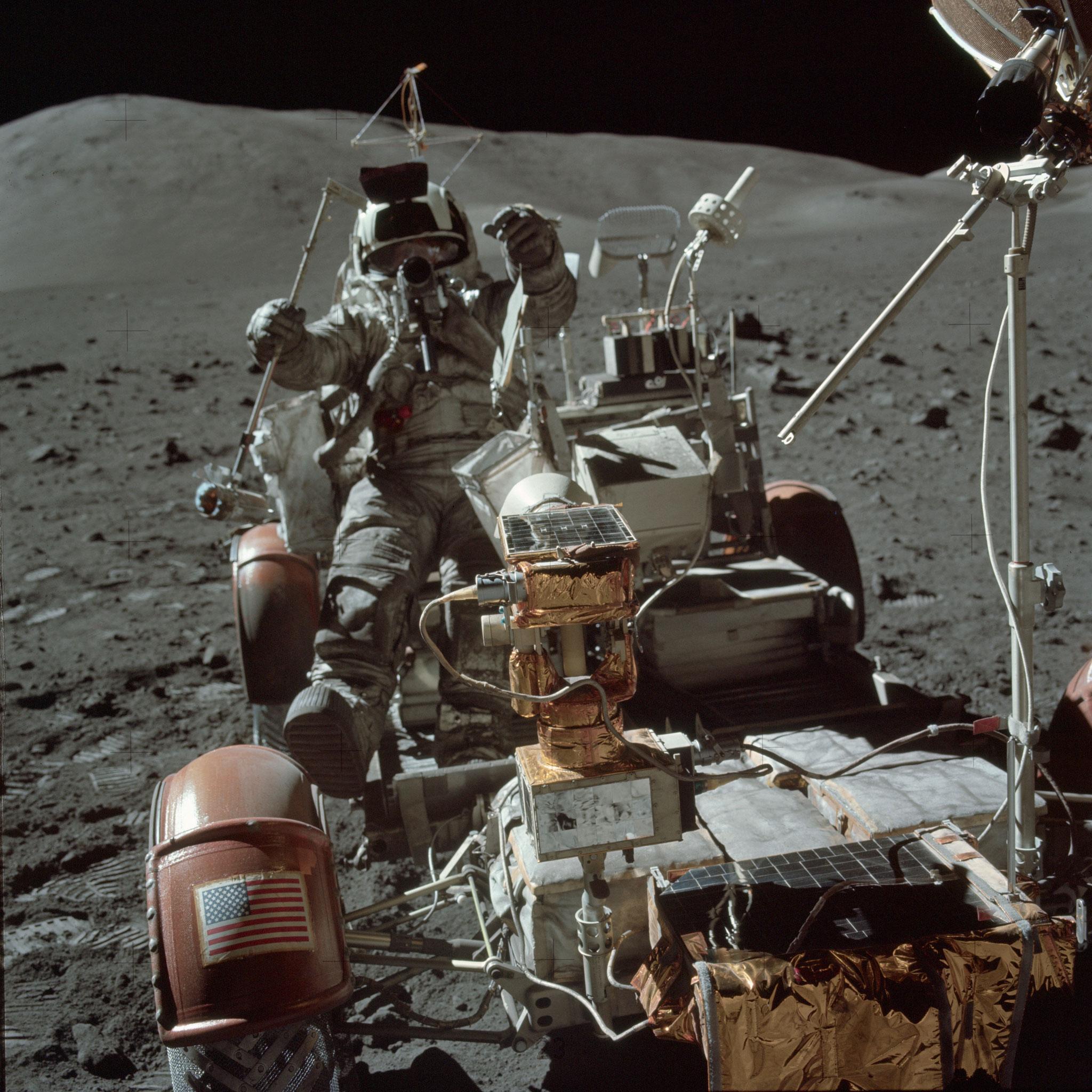Apollo 17 - Eugene Cernan et le rover 2- Photo : Nasa/CDN