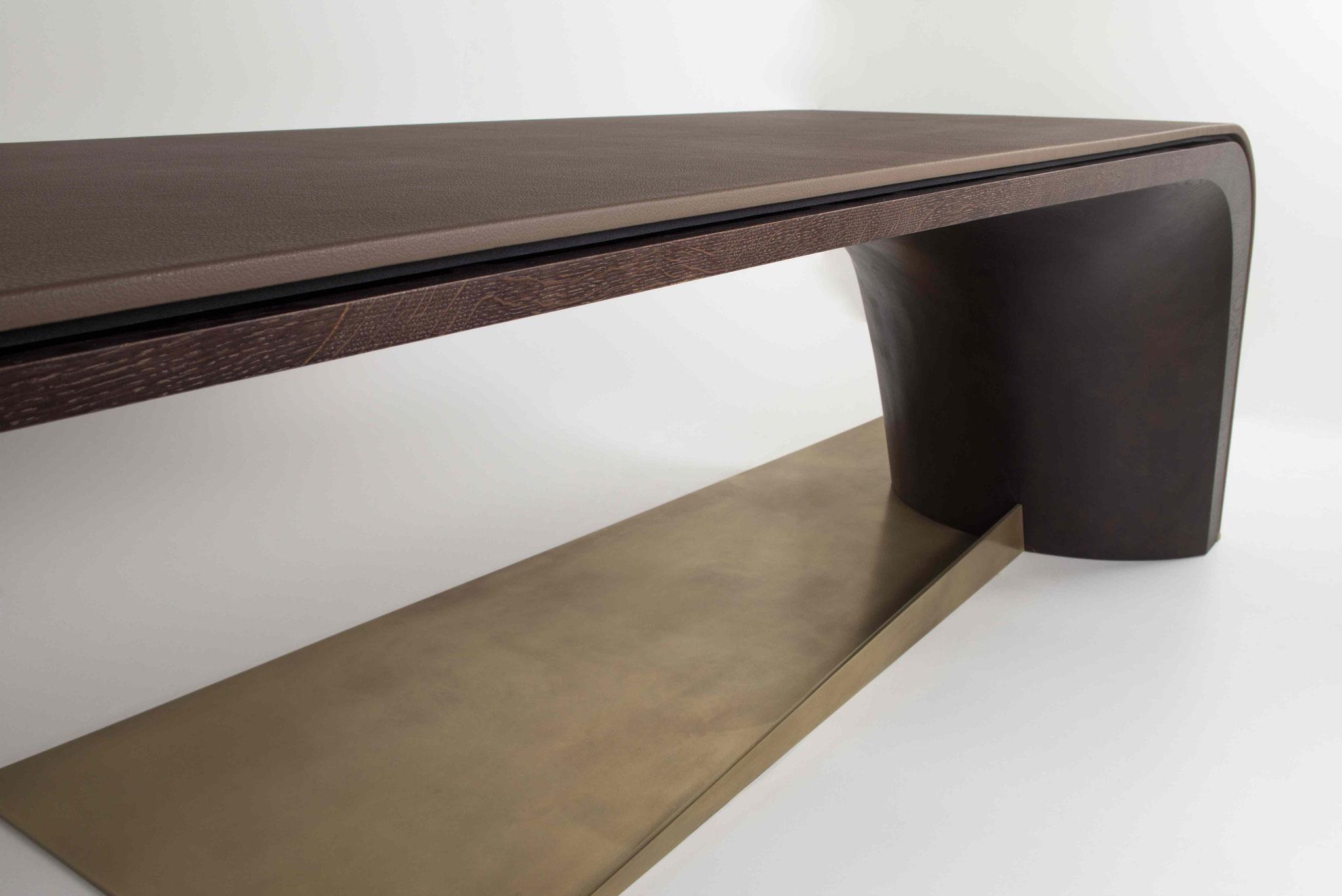Sliding desk dark temtation, Grundkörper Eiche massiv dunkel gebeizt, Tischplatte Leder