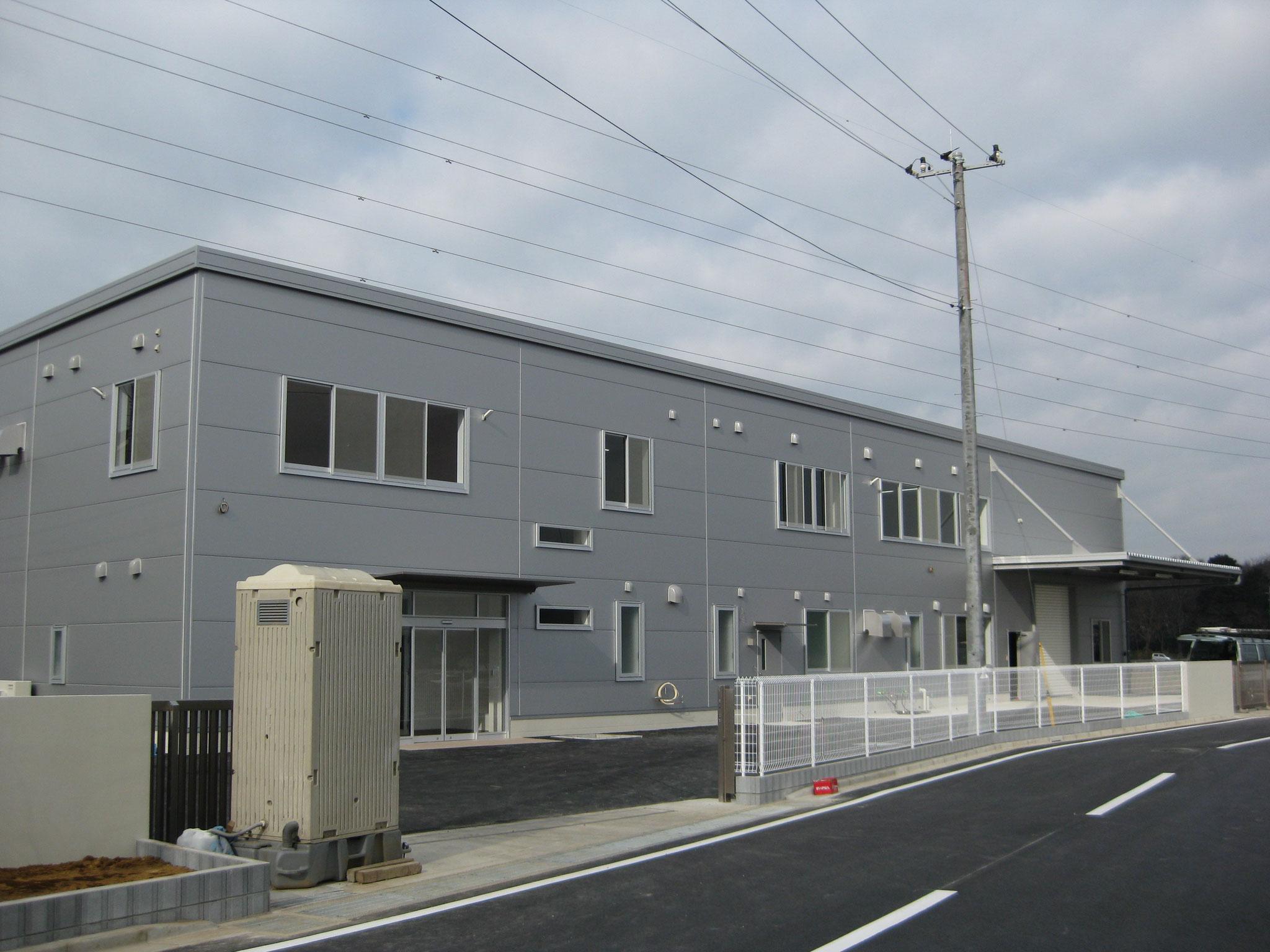 薬品容器製造工場 (S造2階建て)