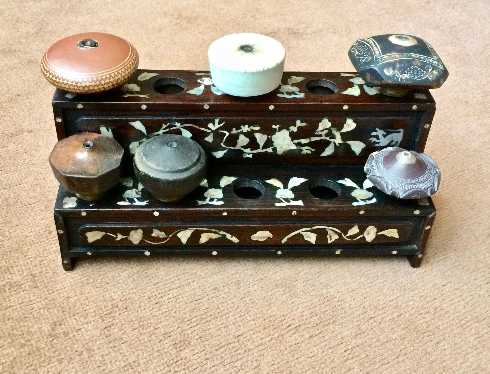 Ten holes bowl stand (–> Accessoires)