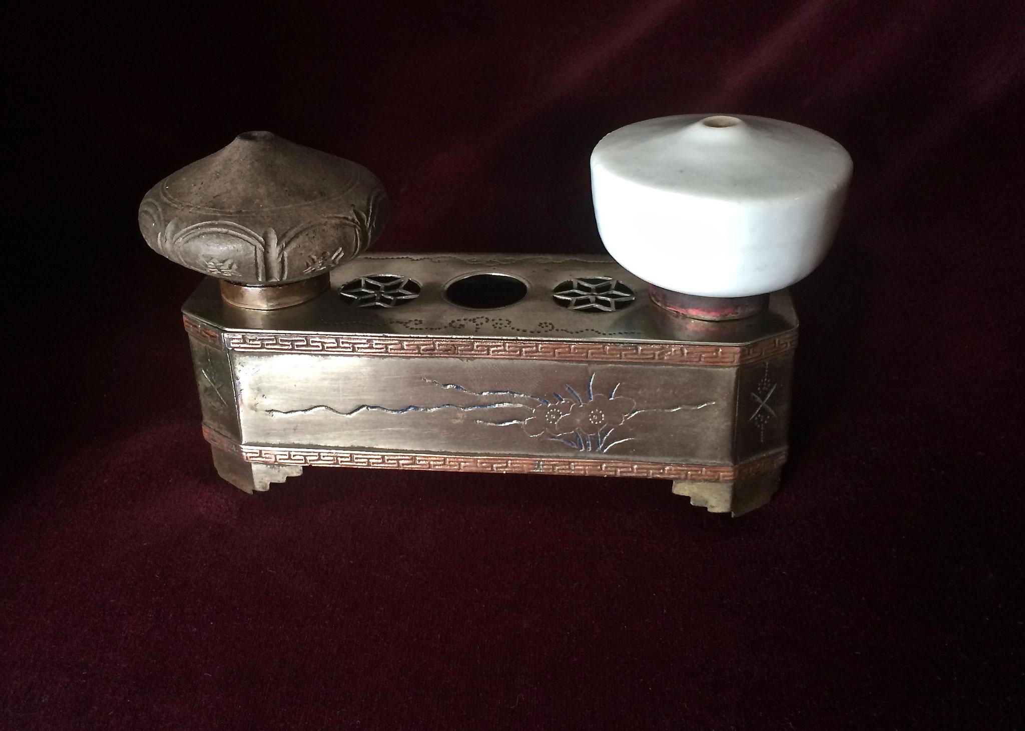 Paktong bowl stand (–> Accessoires)