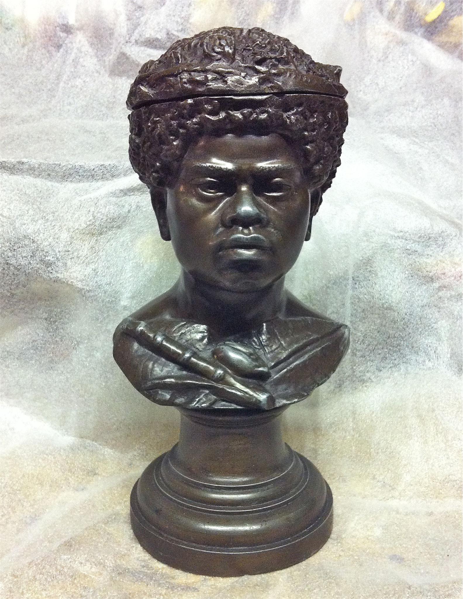 Anonyme : buste de Kanak (pot à tabac)
