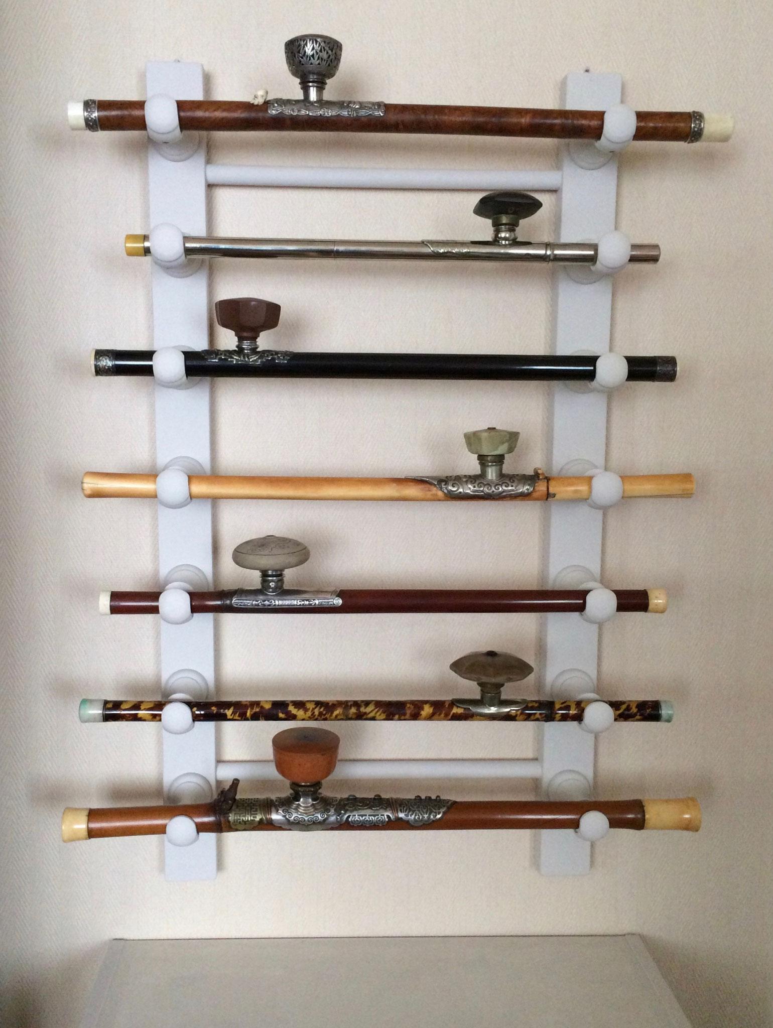 Différentes pipes à opium (–> Pipes et fourneaux)