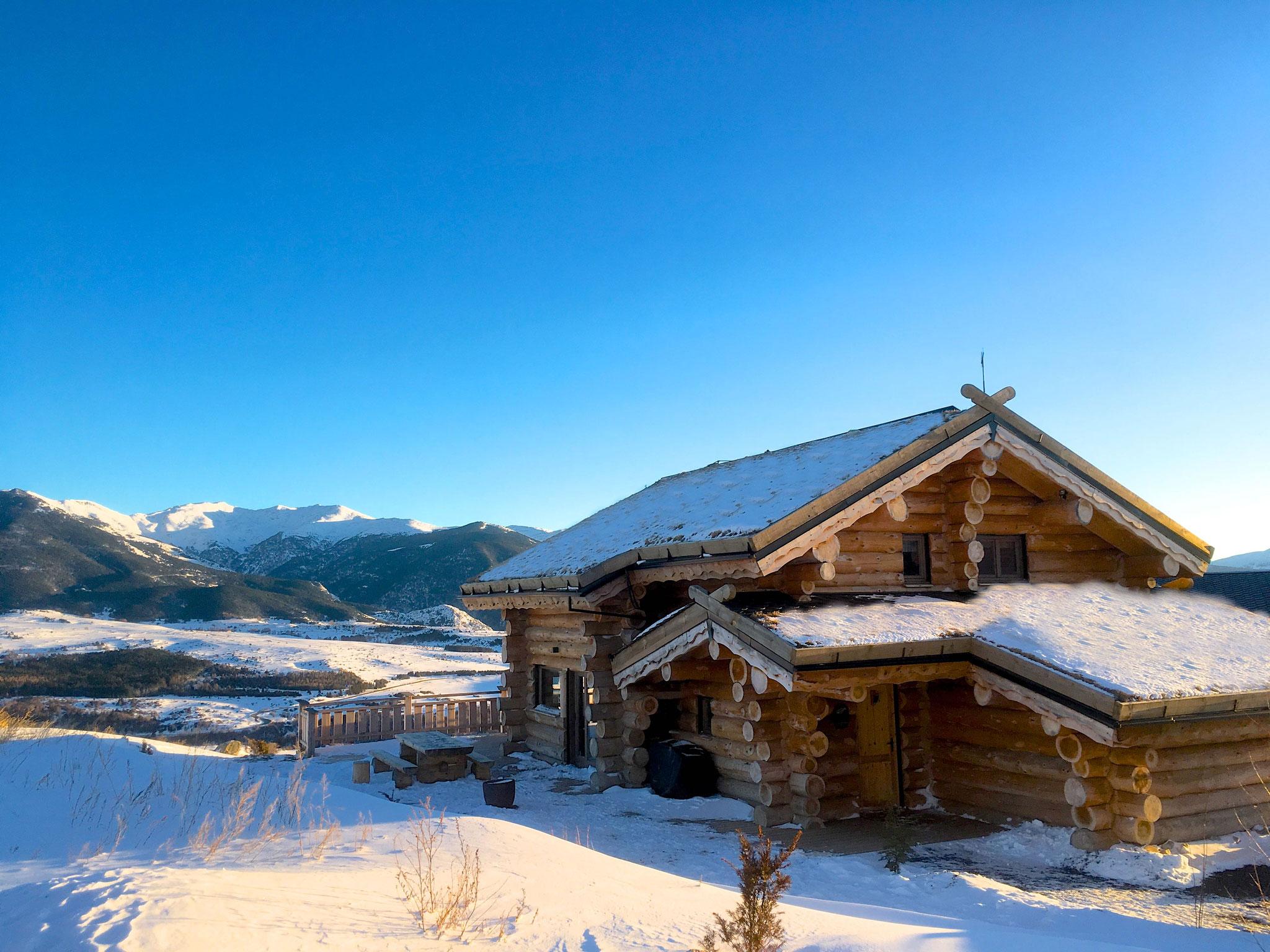 un cocon de rondins pour vos vacances à la neige