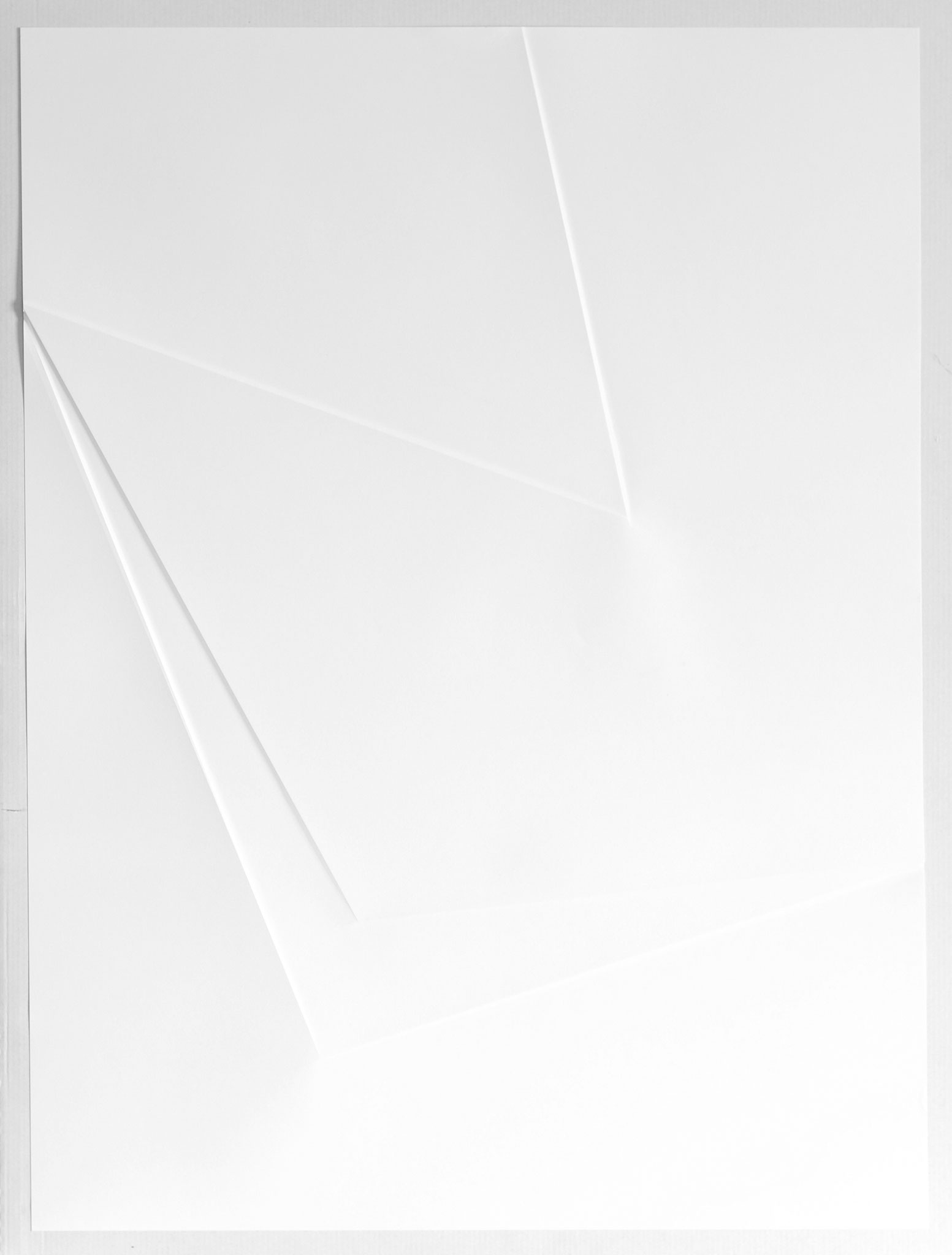 lines P28, 2017, Papier gefalzt, 59,5 x 77,0 cm