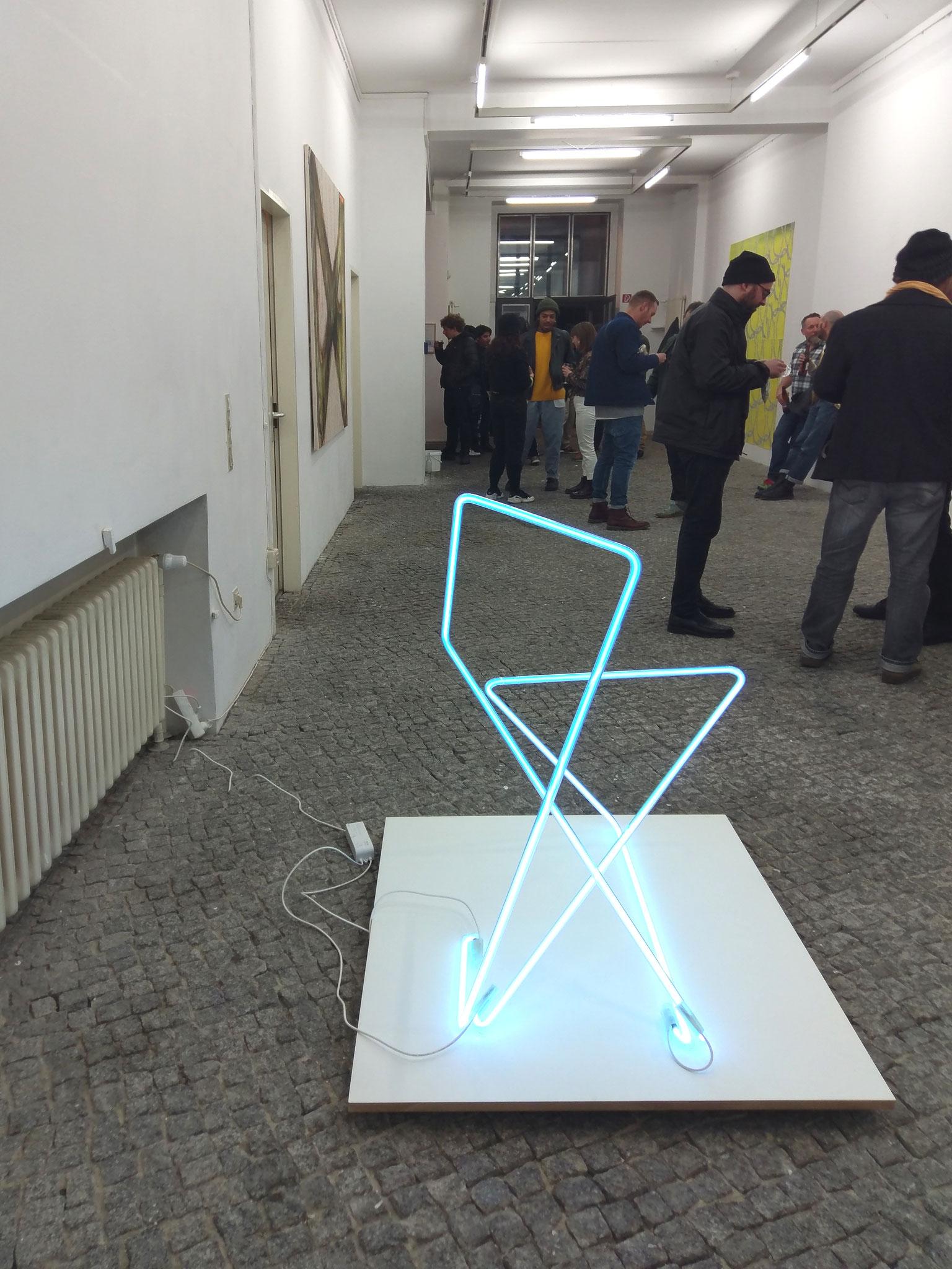 two lines eight corners, 2019, Neonglas, je 300cm lang, gr_und, Artist space Berlin
